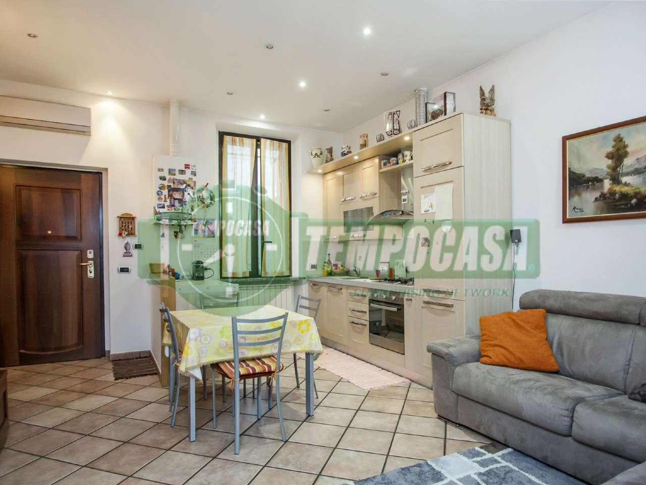 Appartamento ristrutturato in vendita Rif. 7772653