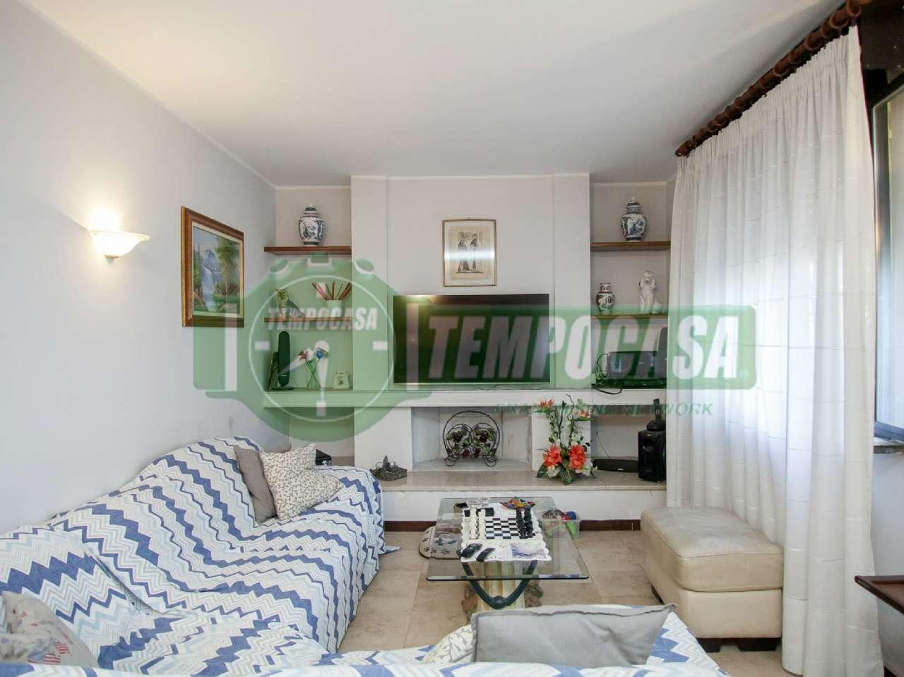 Soluzione Indipendente in vendita a Settimo Milanese, 5 locali, prezzo € 270.000 | CambioCasa.it