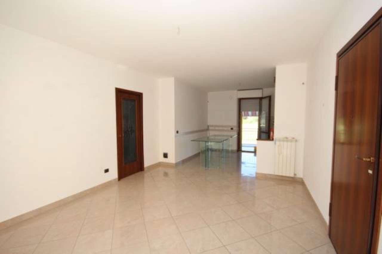 Appartamento in ottime condizioni in vendita Rif. 6482594