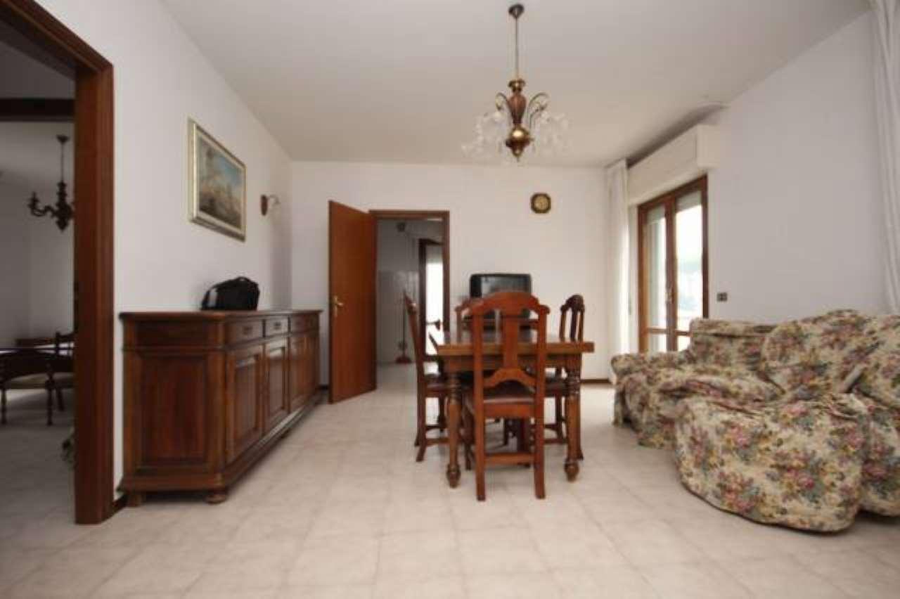 Appartamento in buone condizioni in vendita Rif. 6482639