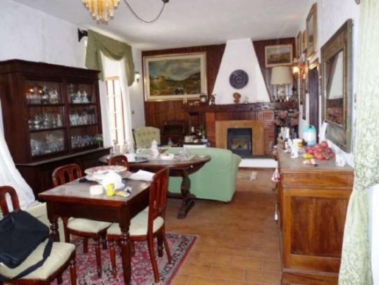 Appartamento in buone condizioni arredato in vendita Rif. 6482674