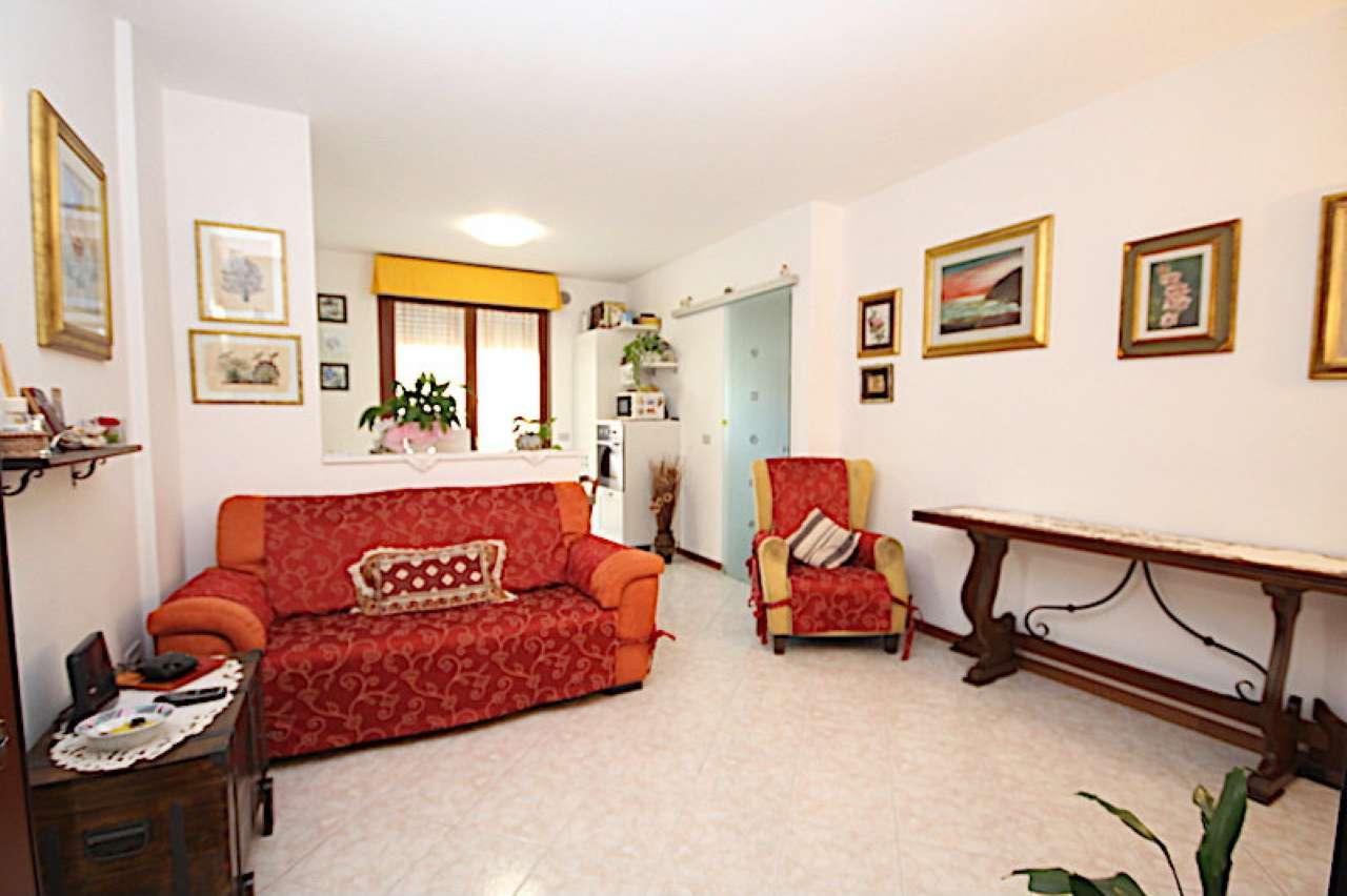 Appartamento parzialmente arredato in vendita Rif. 7497977