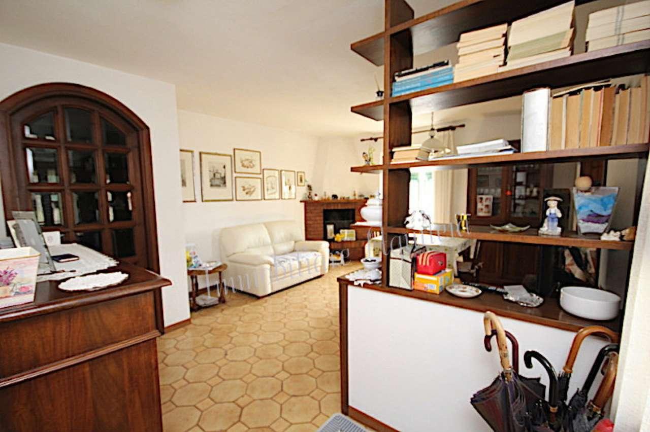 Appartamento in buone condizioni in vendita Rif. 7553449