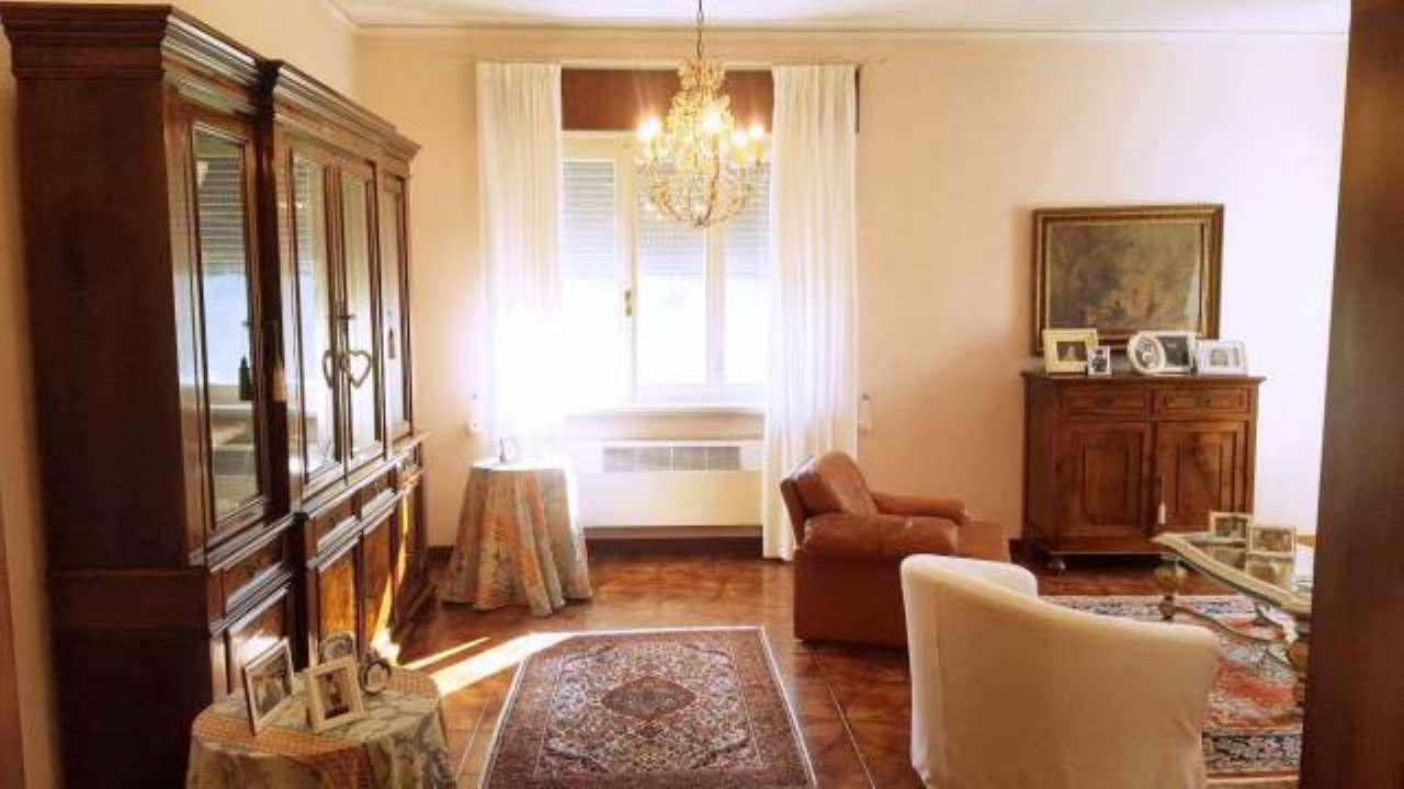 Villa in vendita a Moglia, 6 locali, prezzo € 290.000 | CambioCasa.it