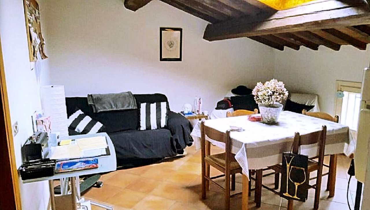 Appartamento in buone condizioni in affitto Rif. 8509774