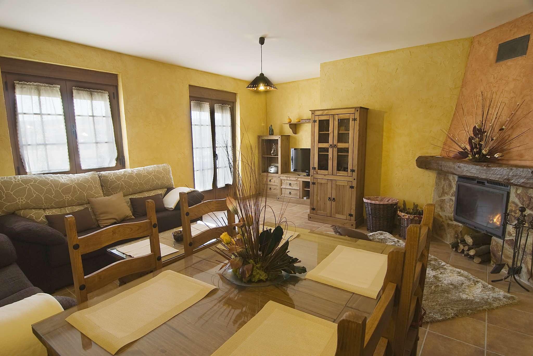 Appartamento in buone condizioni arredato in affitto Rif. 7936002