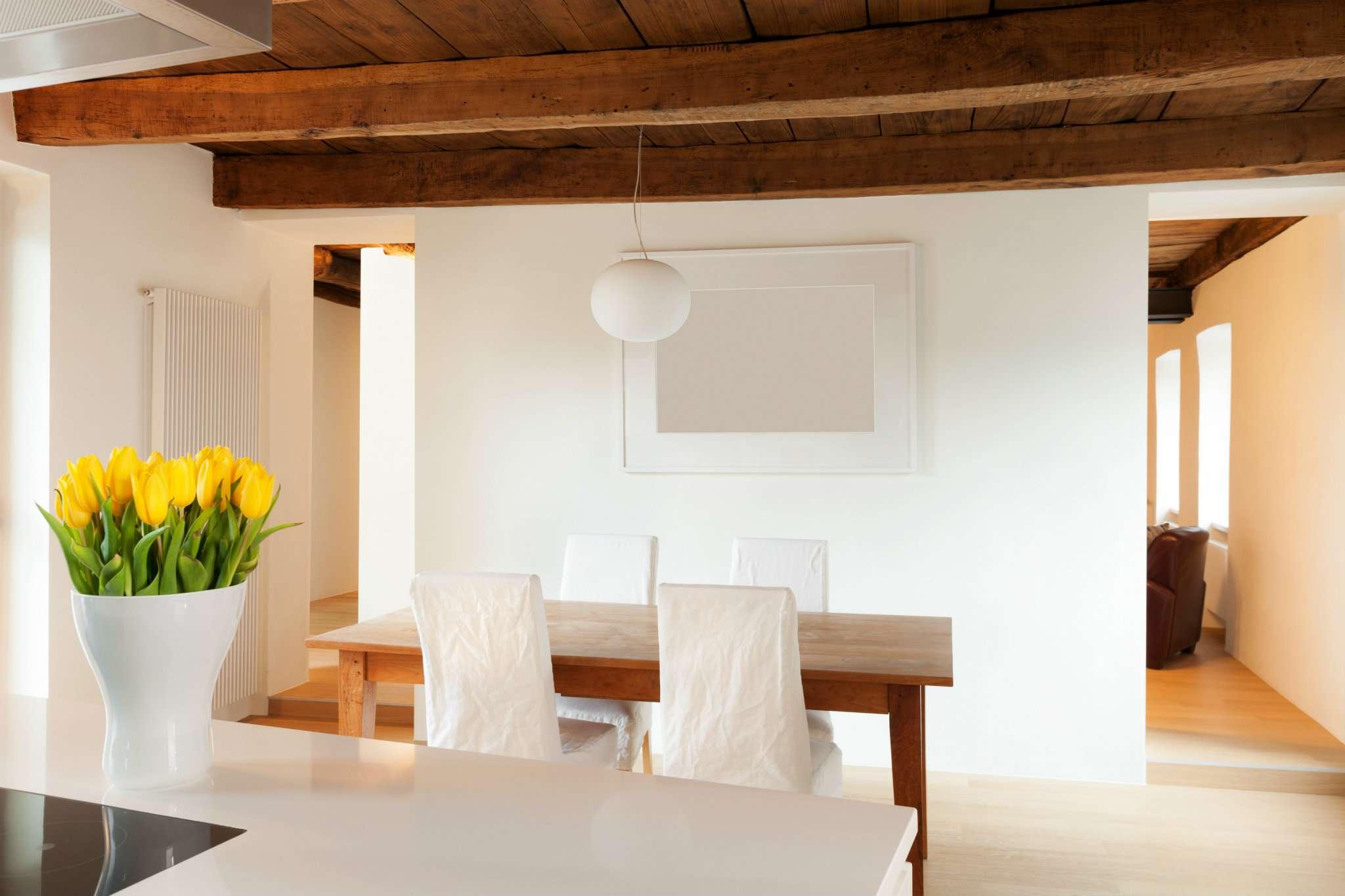 Porzione di casa in ottime condizioni in vendita Rif. 8913780