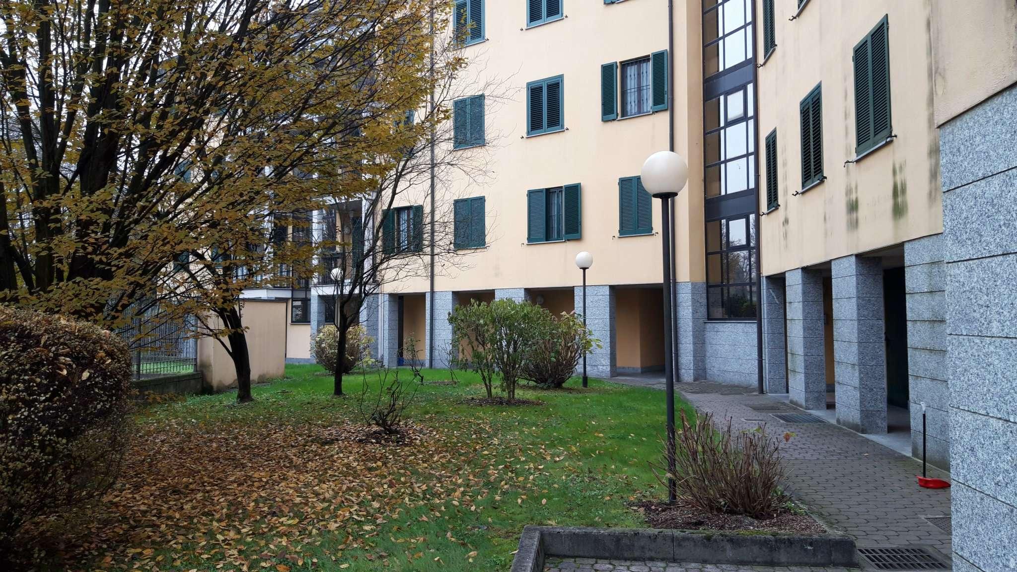 Appartamento in buone condizioni in vendita Rif. 8913800