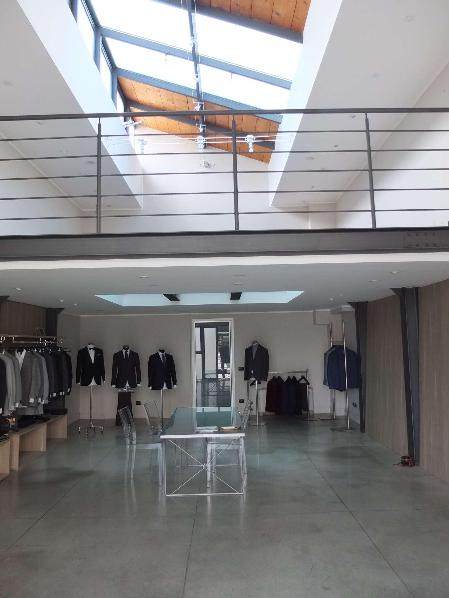 Altro in affitto a Milano, 2 locali, zona Zona: 11 . Barona, Giambellino, Lorenteggio, Famagosta, prezzo € 2.083   CambioCasa.it