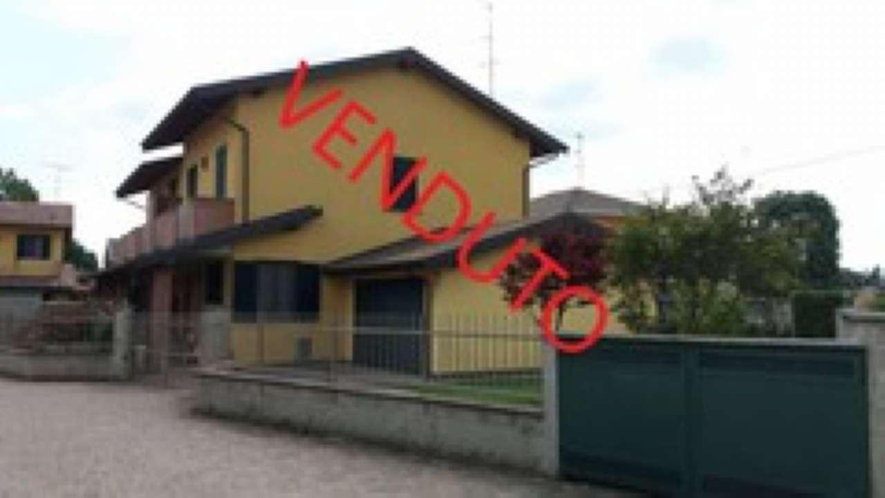 Villa in vendita a Cilavegna, 4 locali, prezzo € 170.000   PortaleAgenzieImmobiliari.it