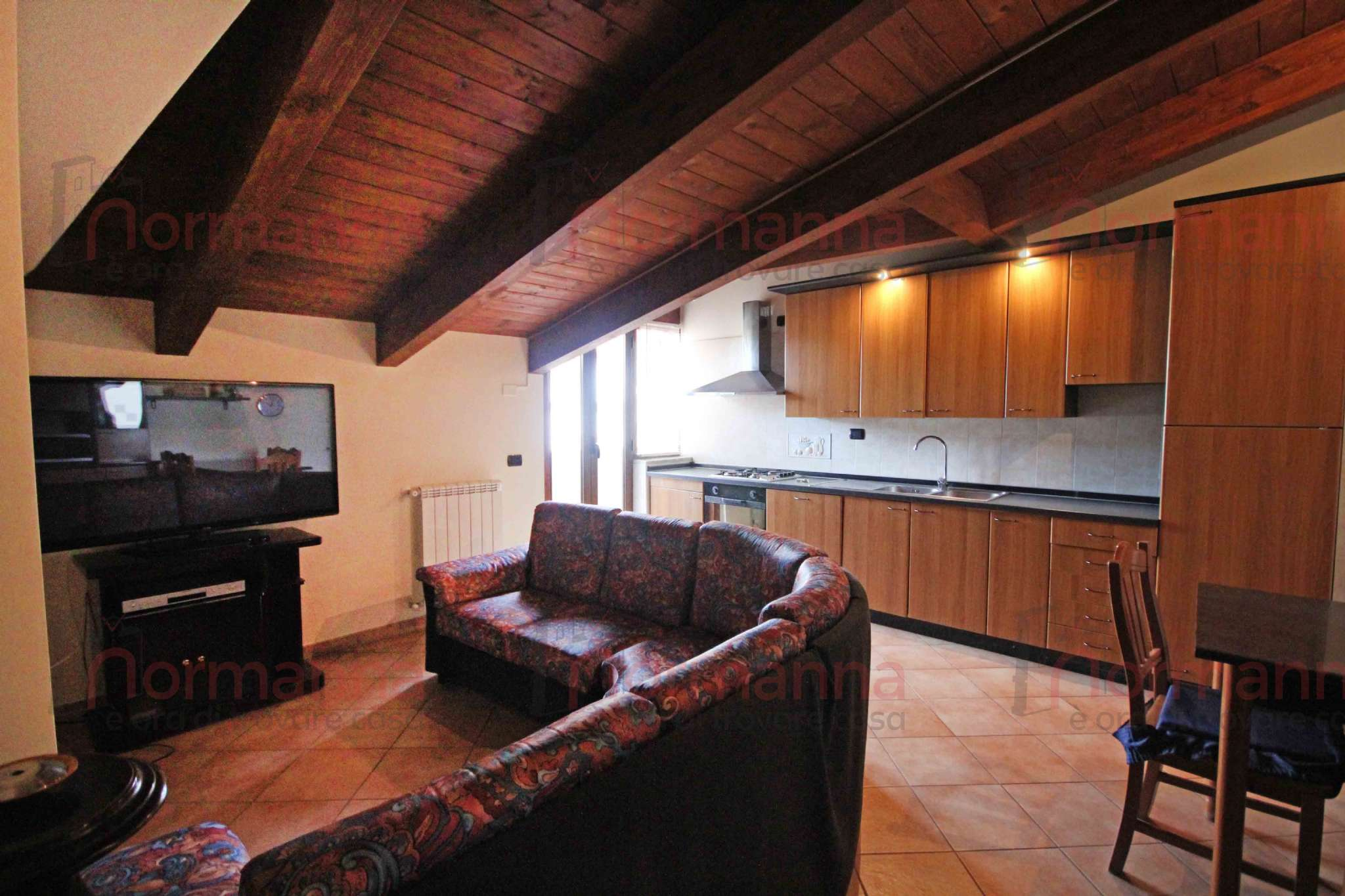 Appartamento in buone condizioni arredato in affitto Rif. 8496098