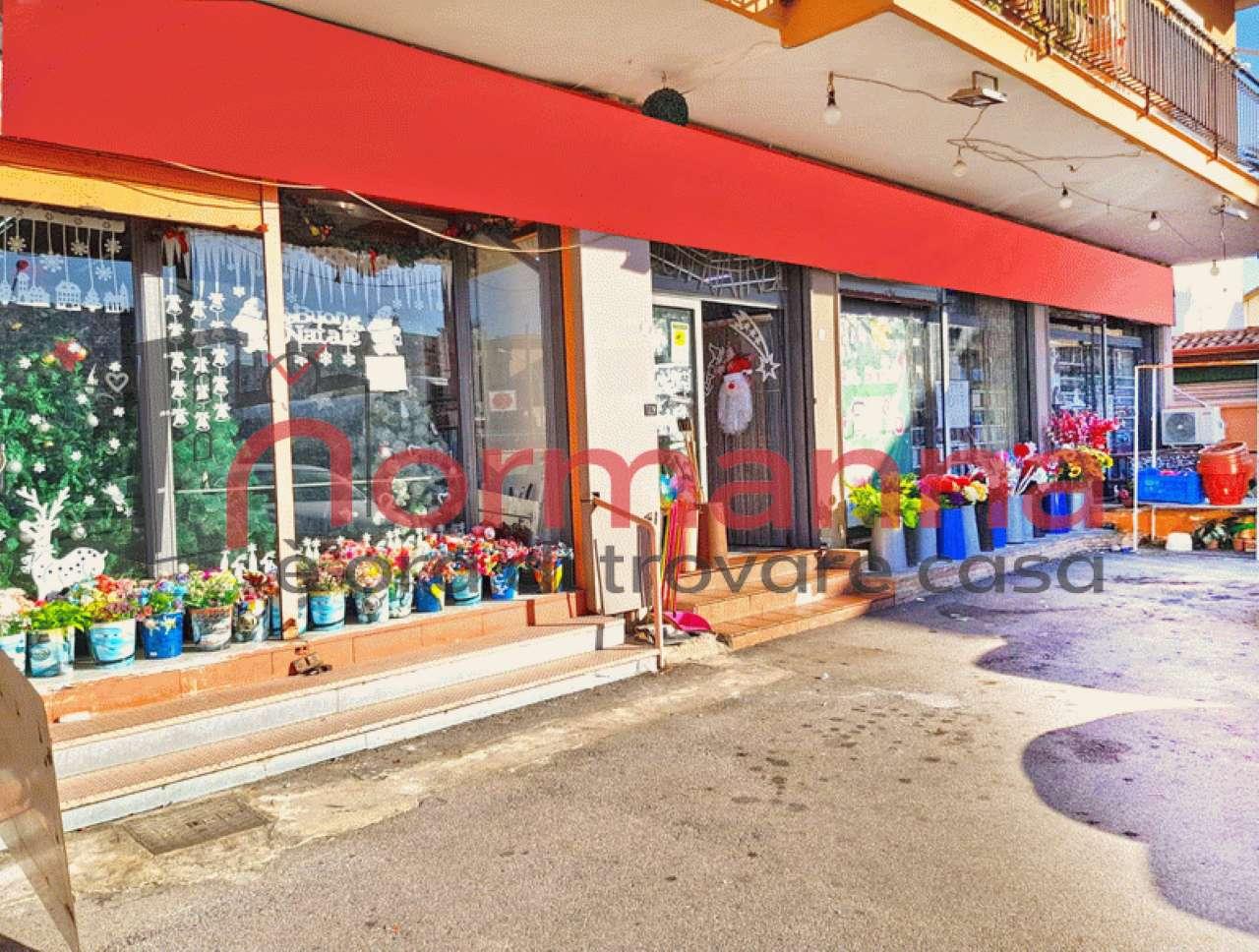 Negozio / Locale in affitto a Lusciano, 1 locali, prezzo € 2.500 | CambioCasa.it