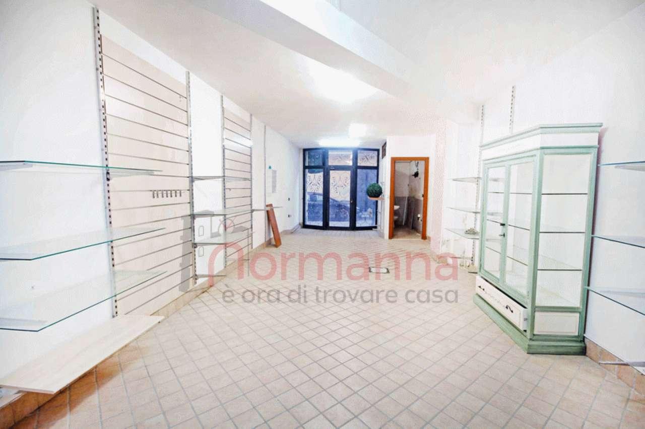 AL040 - Locale commerciale in affitto Teverola Rif. 9002165