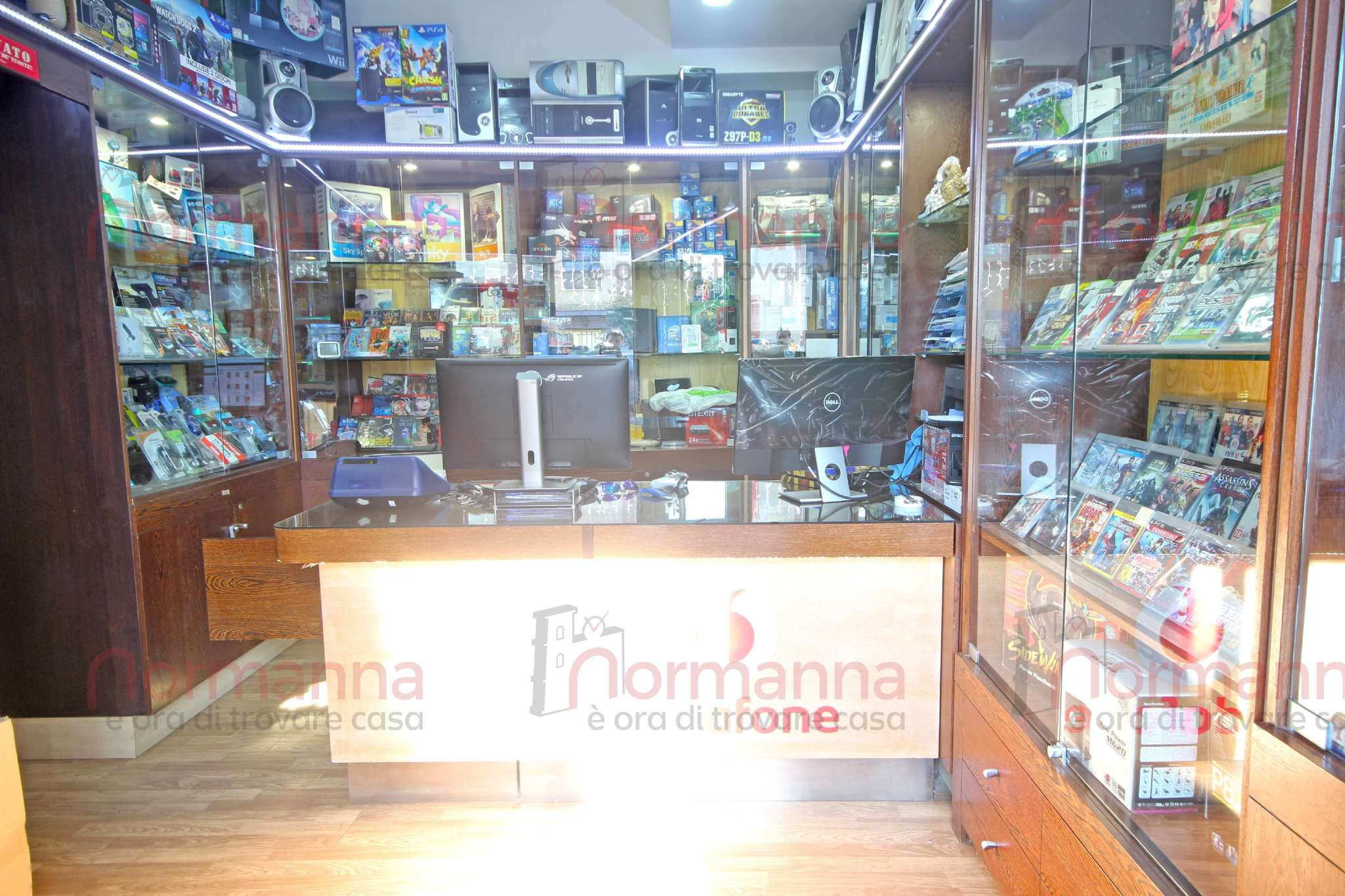 Negozio / Locale in vendita a Aversa, 1 locali, prezzo € 14.000 | CambioCasa.it
