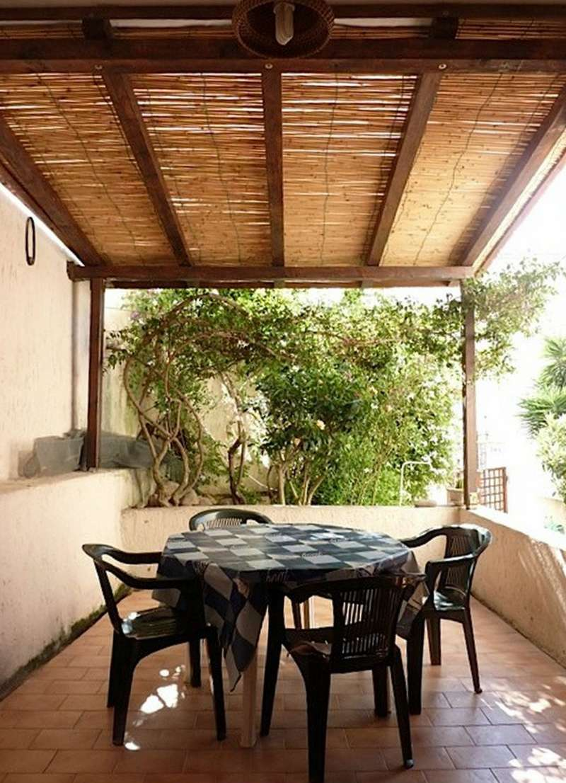 Appartamento in discrete condizioni arredato in vendita Rif. 4808259