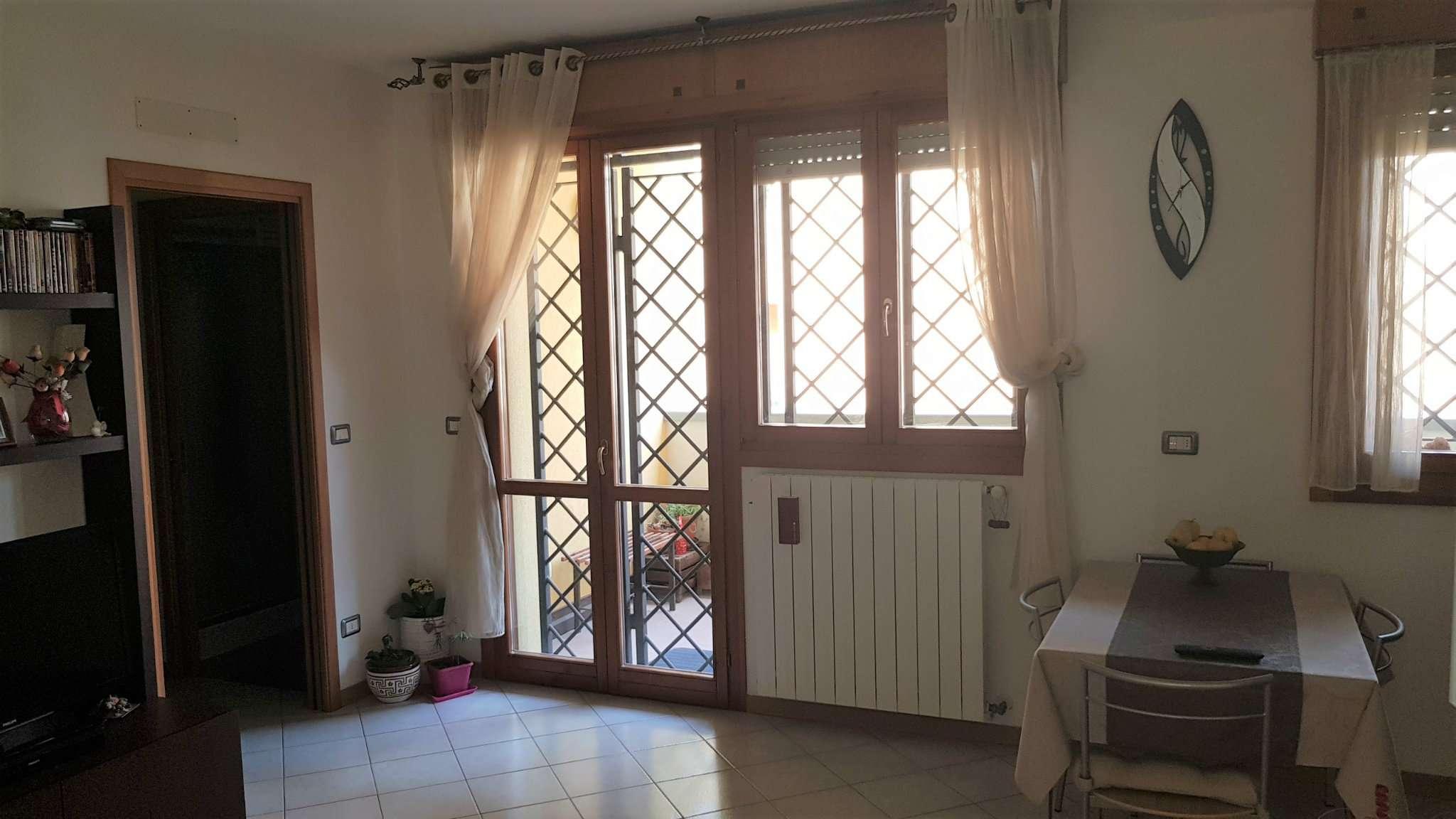 Appartamento ristrutturato parzialmente arredato in vendita Rif. 8162268