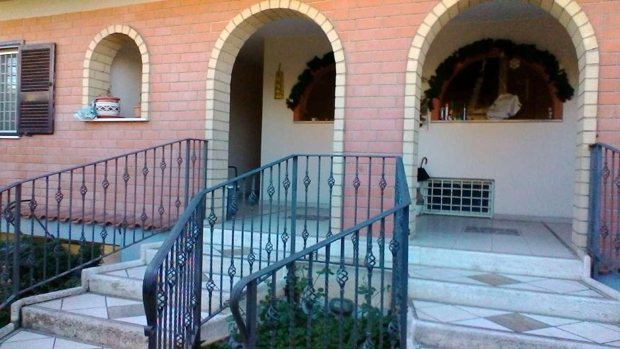Appartamento in vendita a Roma, 8 locali, zona Zona: 41 . Castel di Guido - Casalotti - Valle Santa, prezzo € 250.000 | CambioCasa.it