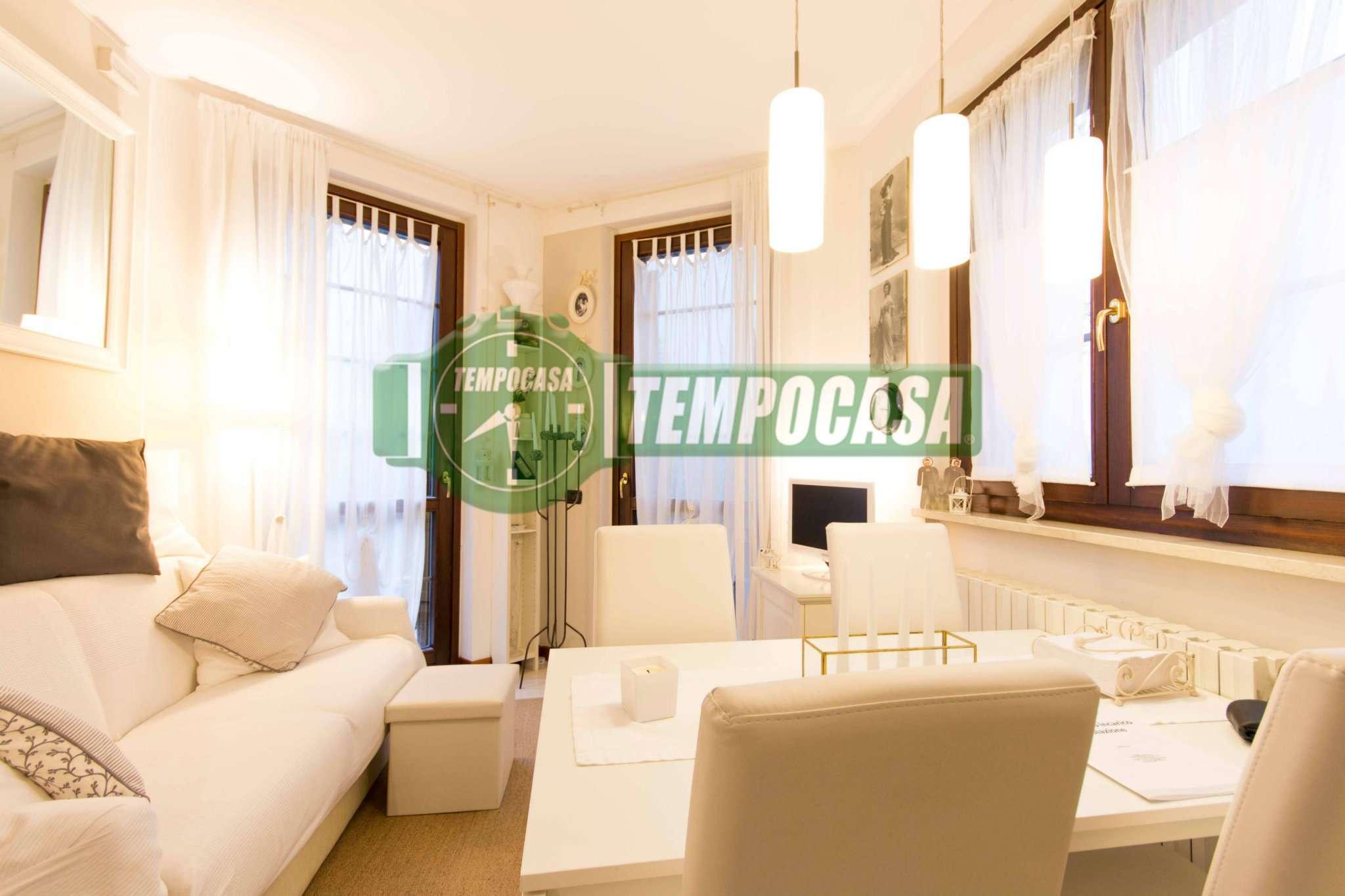 Appartamento in ottime condizioni arredato in vendita Rif. 8737414