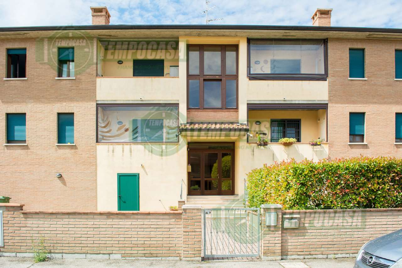 Appartamento in buone condizioni parzialmente arredato in vendita Rif. 8565826