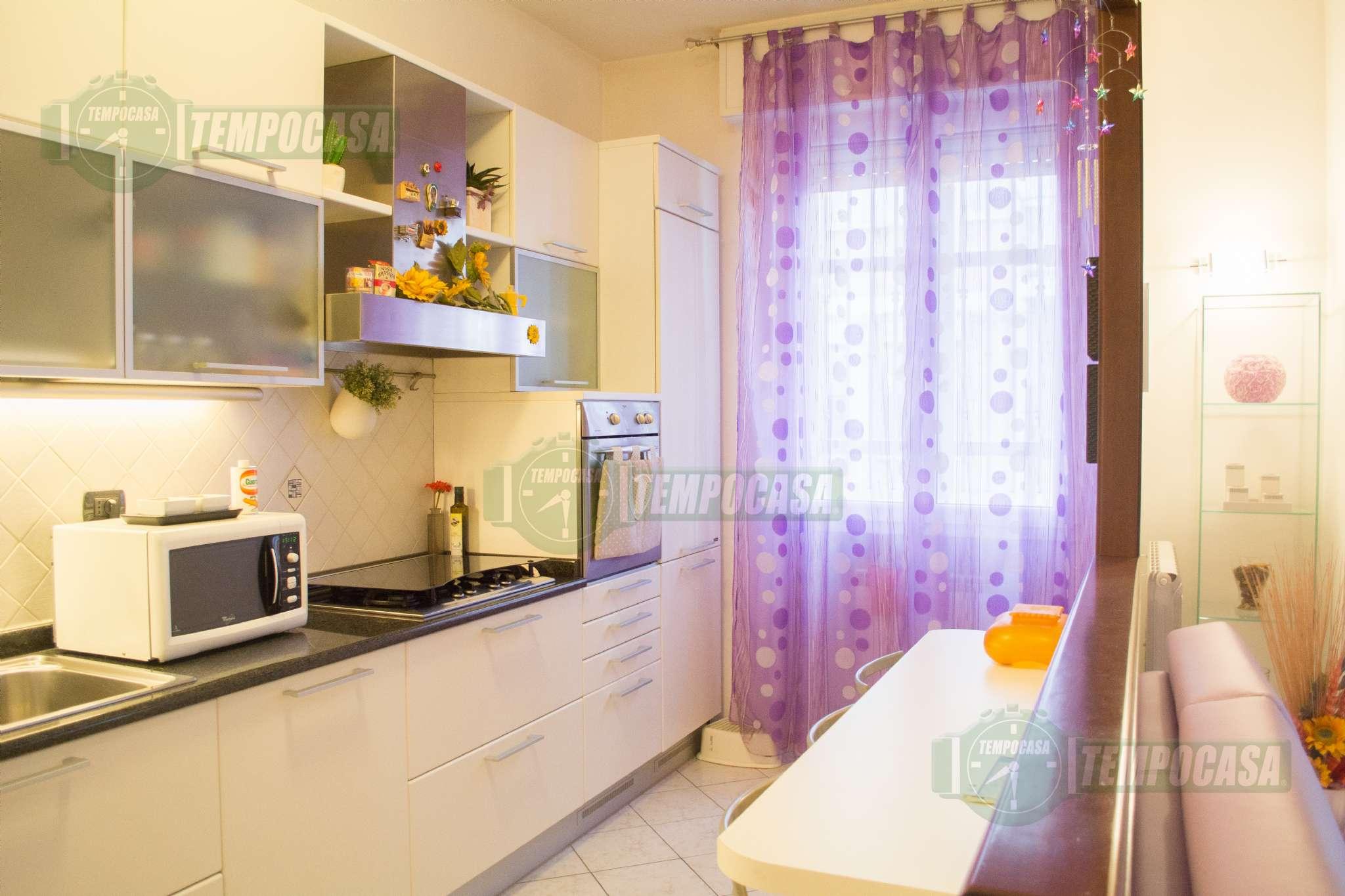 Appartamento ristrutturato arredato in vendita Rif. 8565829