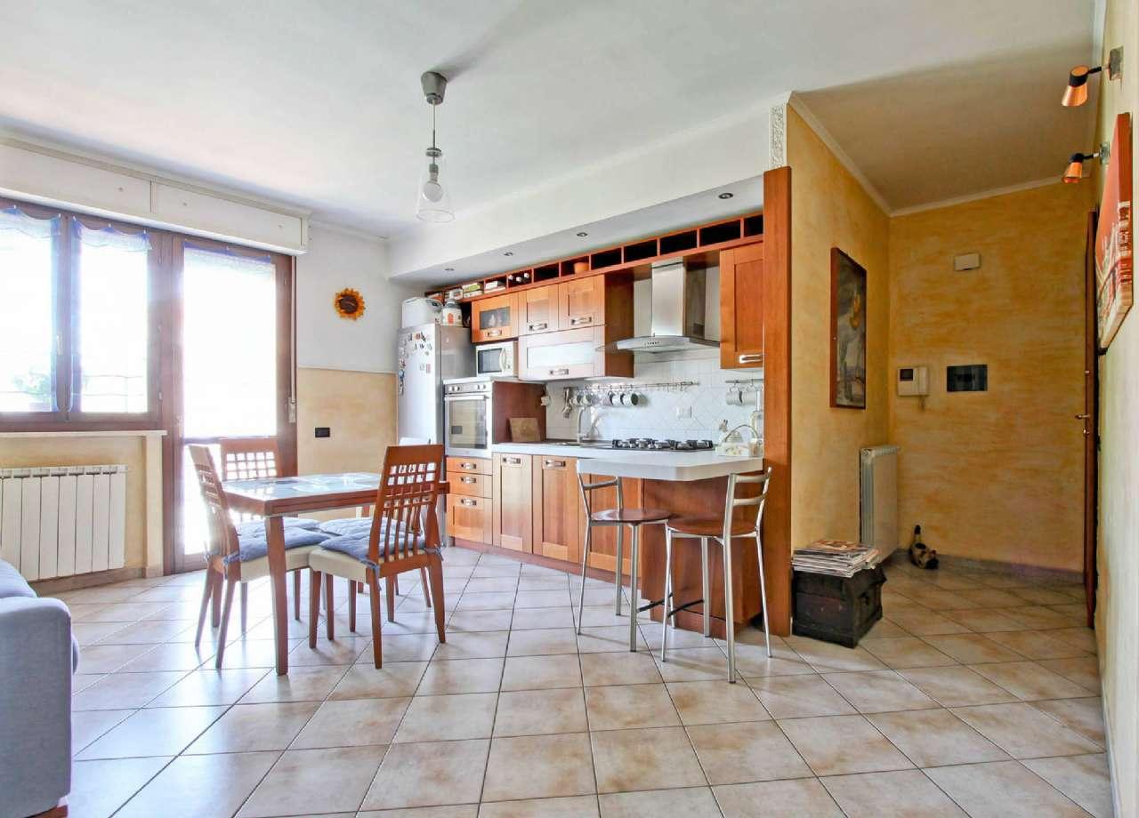 Appartamento in vendita a Ciampino, 3 locali, prezzo € 199.000   CambioCasa.it