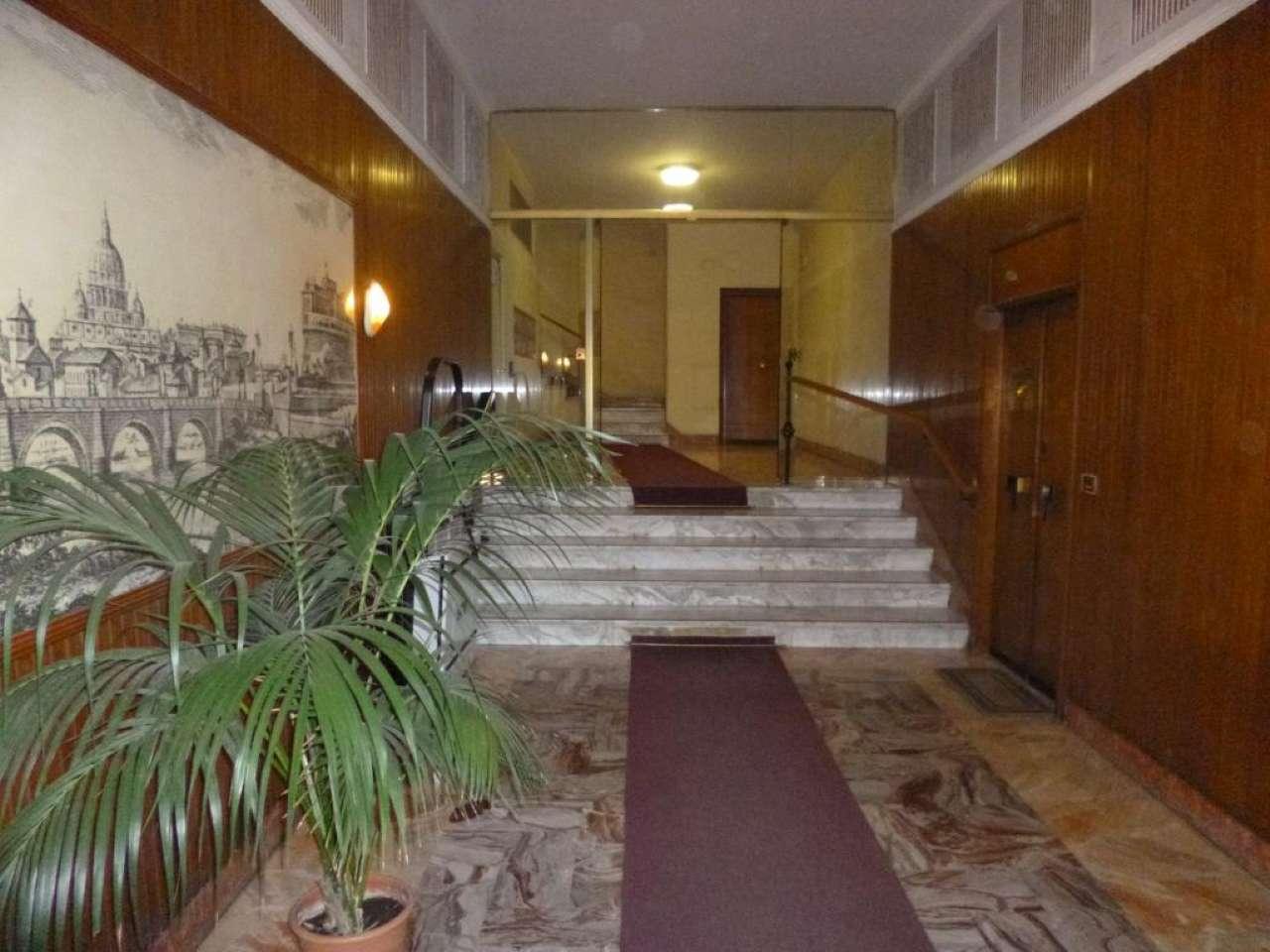 Appartamento in ottime condizioni arredato in vendita Rif. 8950063