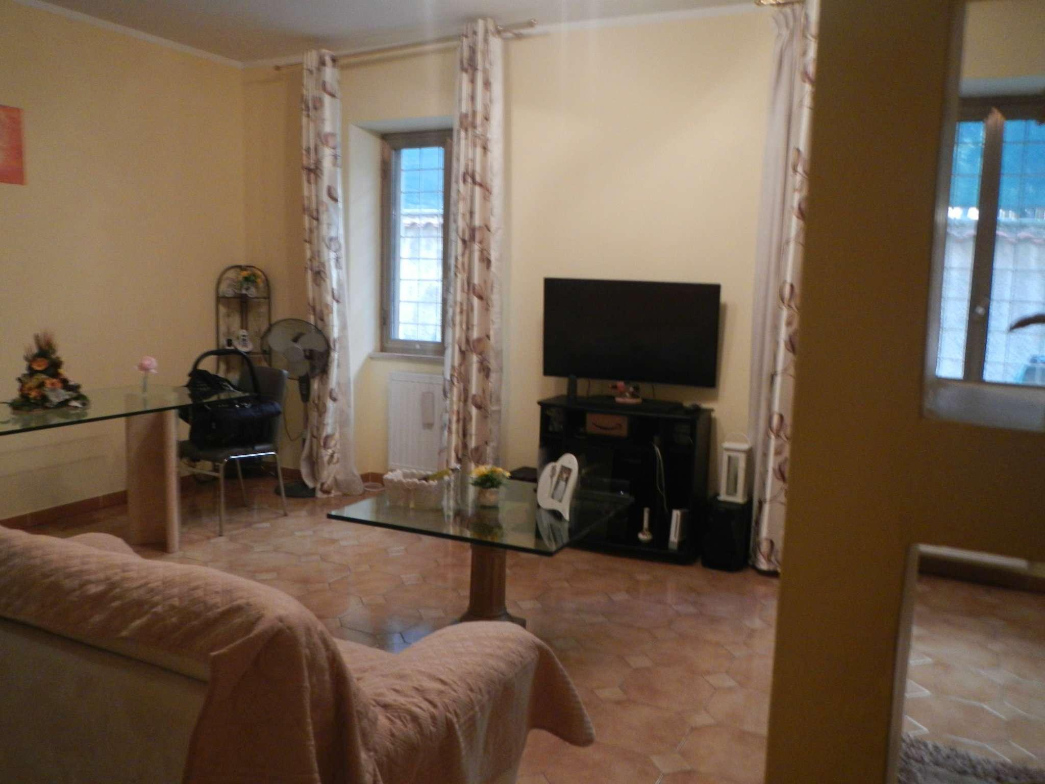 Appartamento in vendita a Roma, 4 locali, zona Zona: 33 . Quarto Casale, Labaro, Valle Muricana, Prima Porta, prezzo € 250.000 | CambioCasa.it