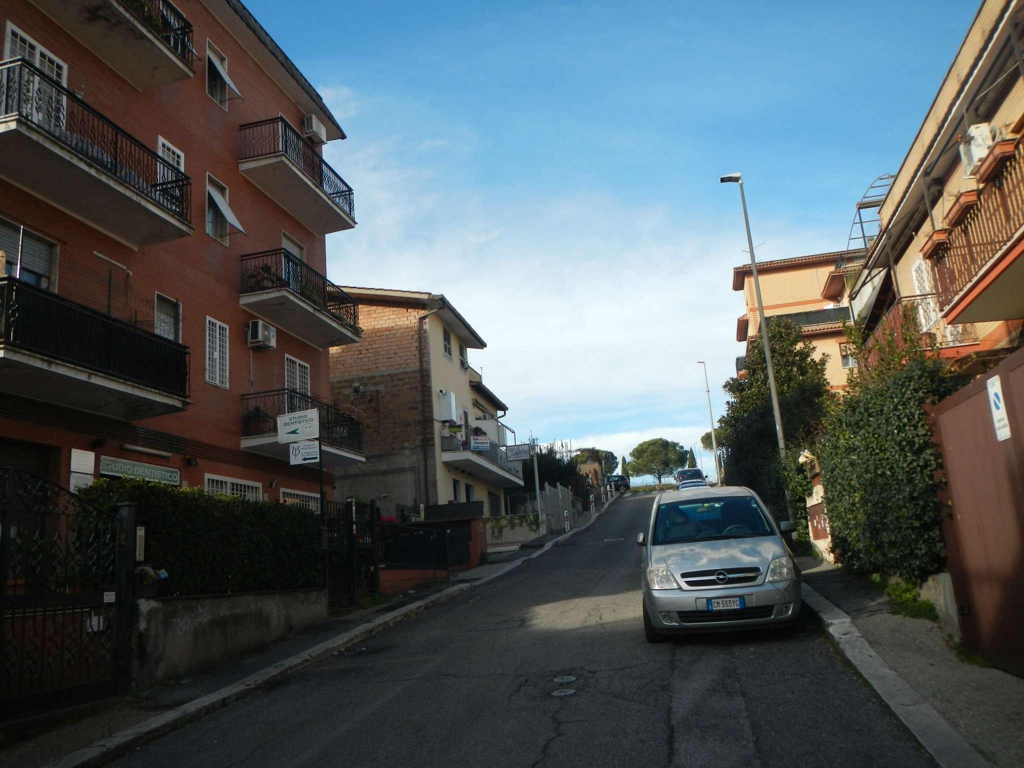 Appartamento in vendita a Roma, 3 locali, zona Zona: 33 . Quarto Casale, Labaro, Valle Muricana, Prima Porta, prezzo € 140.000 | CambioCasa.it