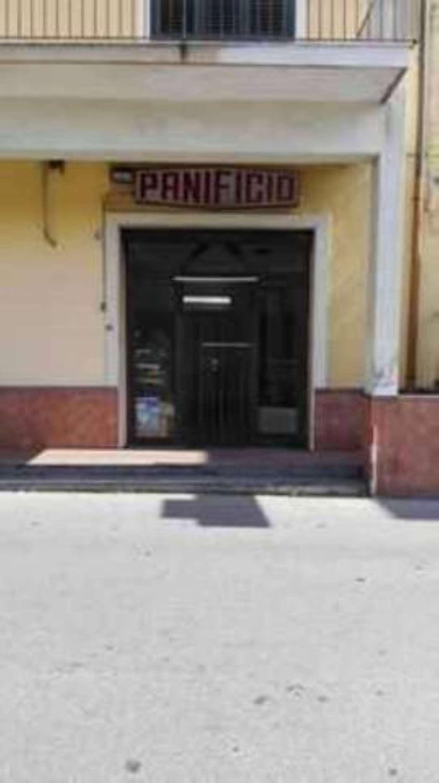 Bottega commerciale vendesi a San Gregorio centro Rif. 8177160