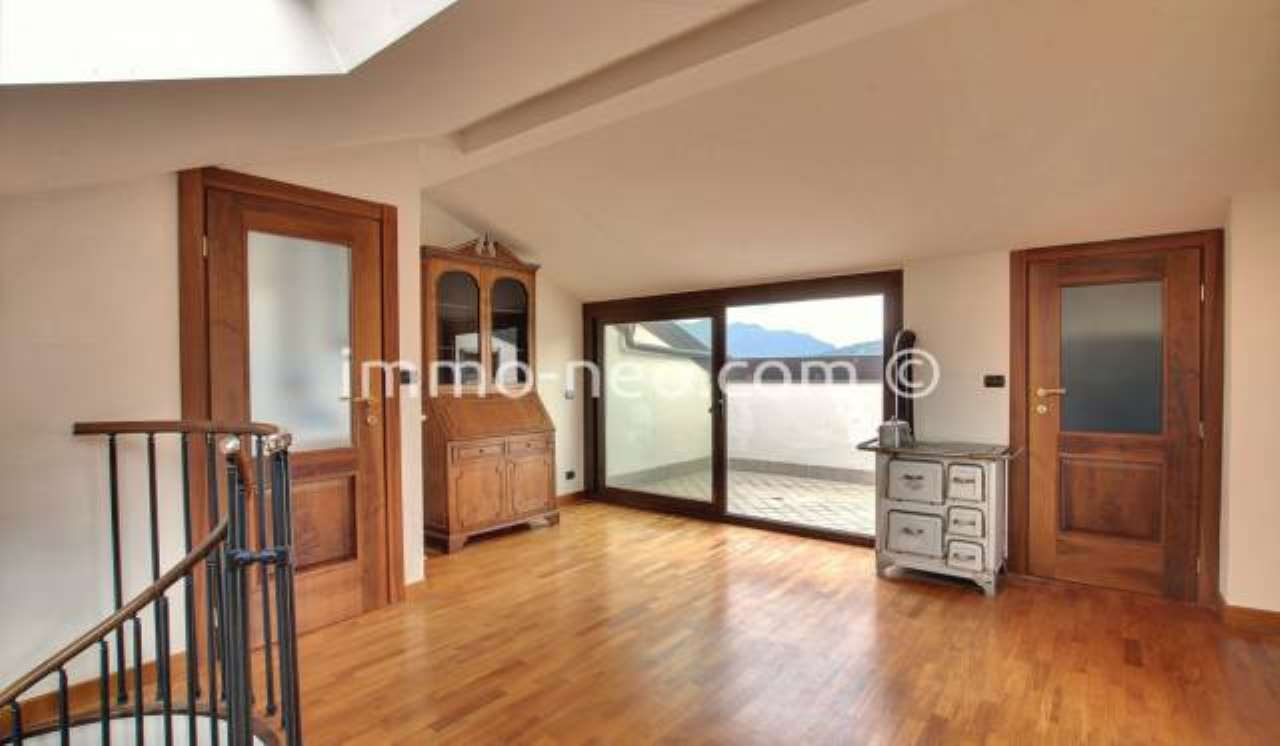 Appartamento in buone condizioni in vendita Rif. 9262325