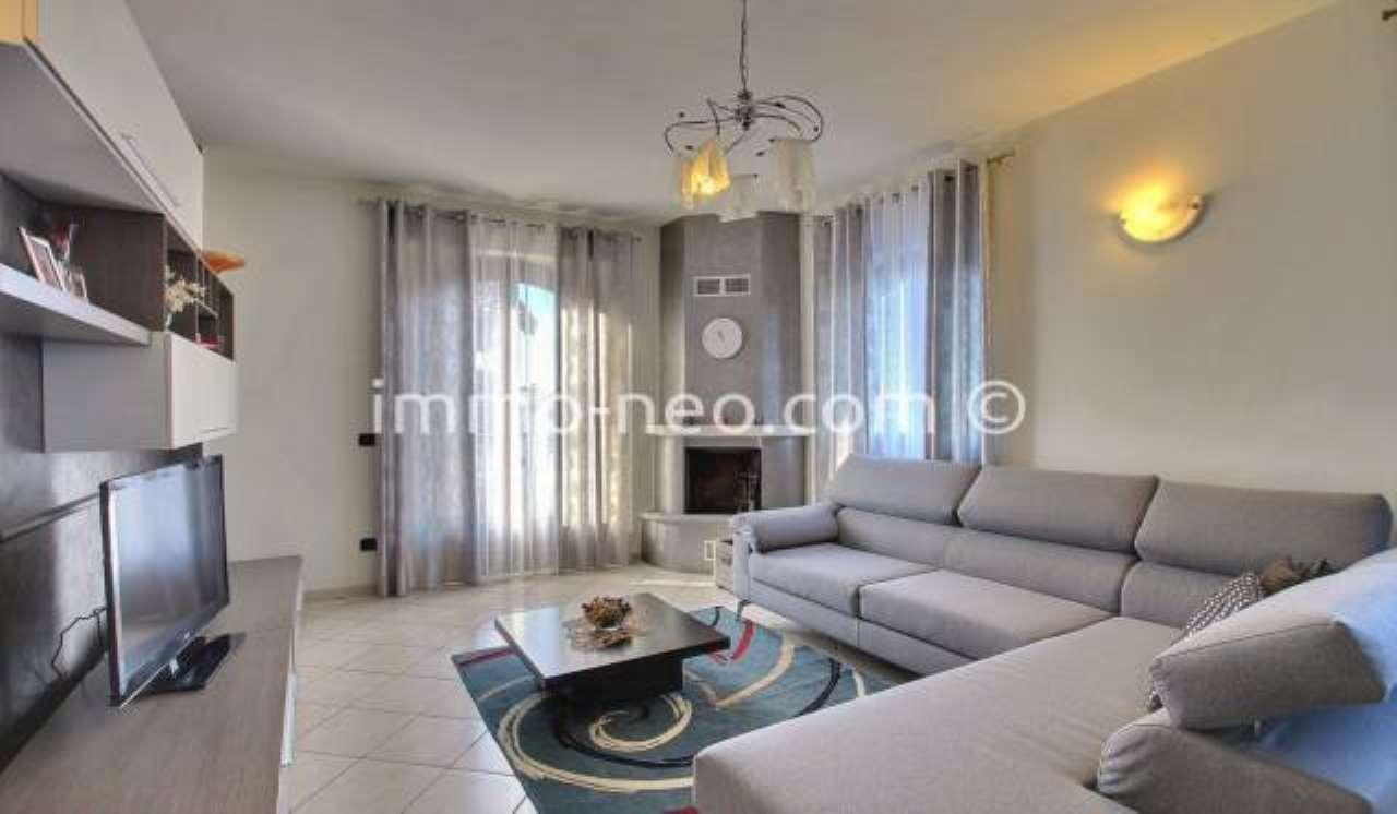 Appartamento in ottime condizioni parzialmente arredato in vendita Rif. 7453785