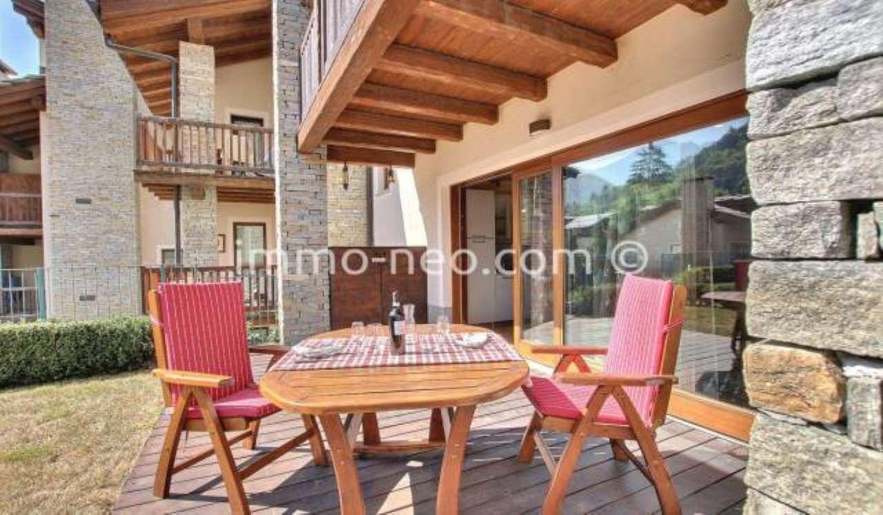 Appartamento in ottime condizioni arredato in vendita Rif. 7453837