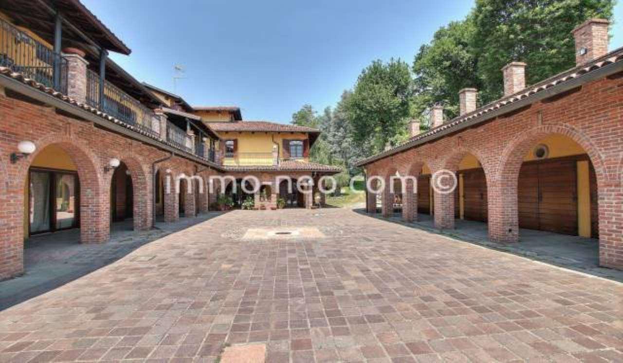 Villa in ottime condizioni parzialmente arredato in vendita Rif. 7453847