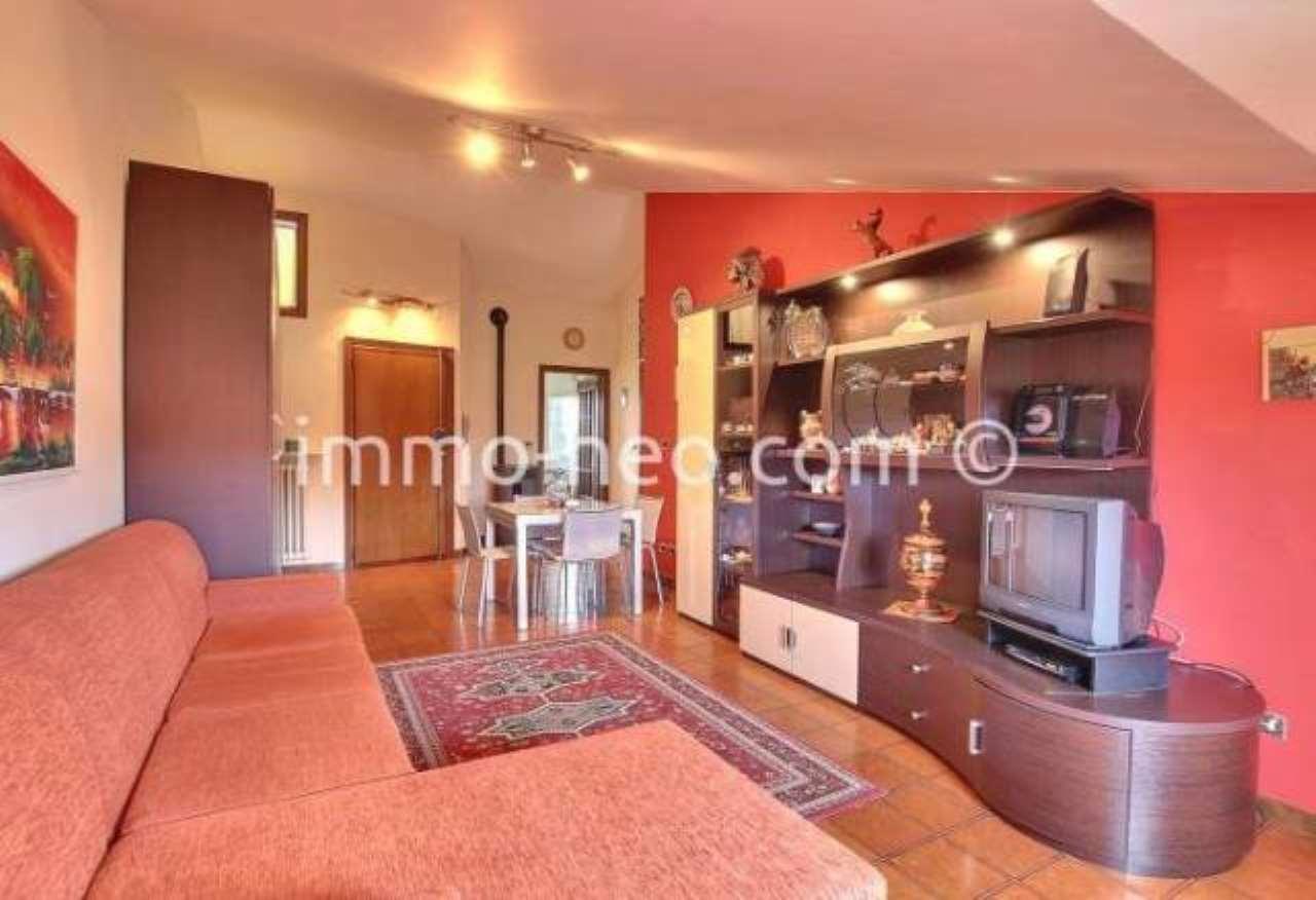 Appartamento in buone condizioni parzialmente arredato in vendita Rif. 7453907