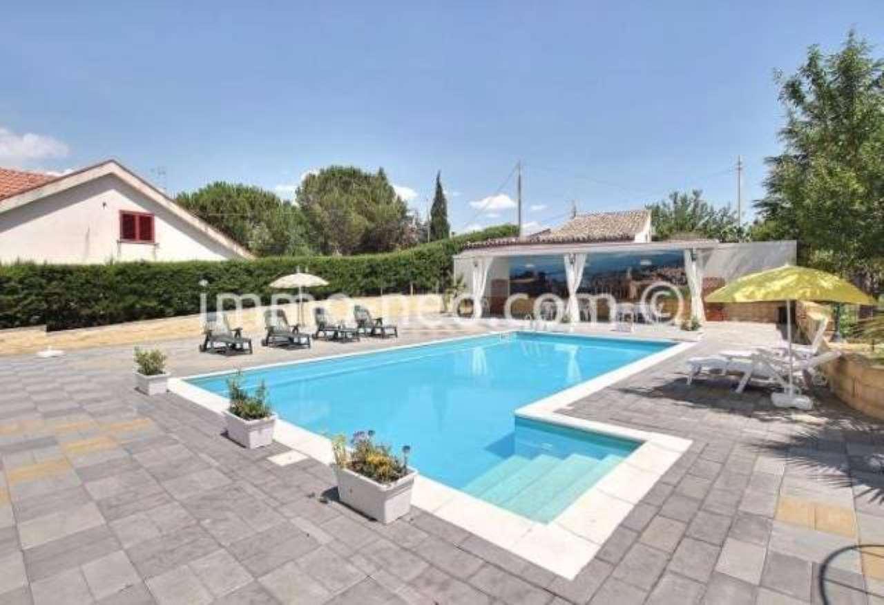 Villa in ottime condizioni arredato in vendita Rif. 7453914