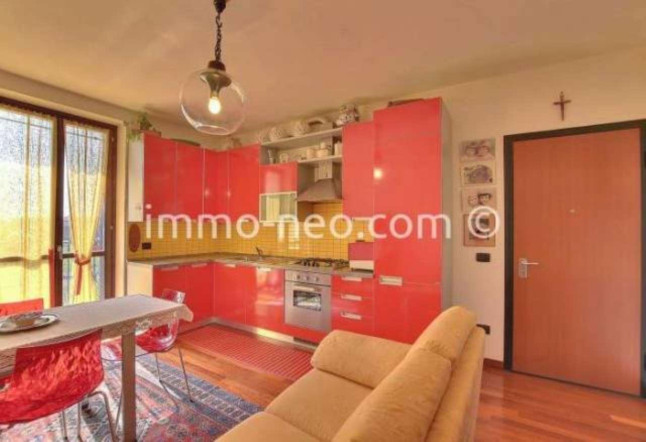 Appartamento in ottime condizioni parzialmente arredato in vendita Rif. 7453940