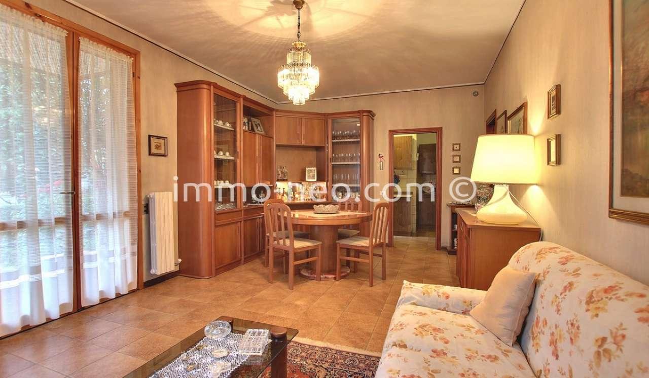 Appartamento in buone condizioni in vendita Rif. 8360803