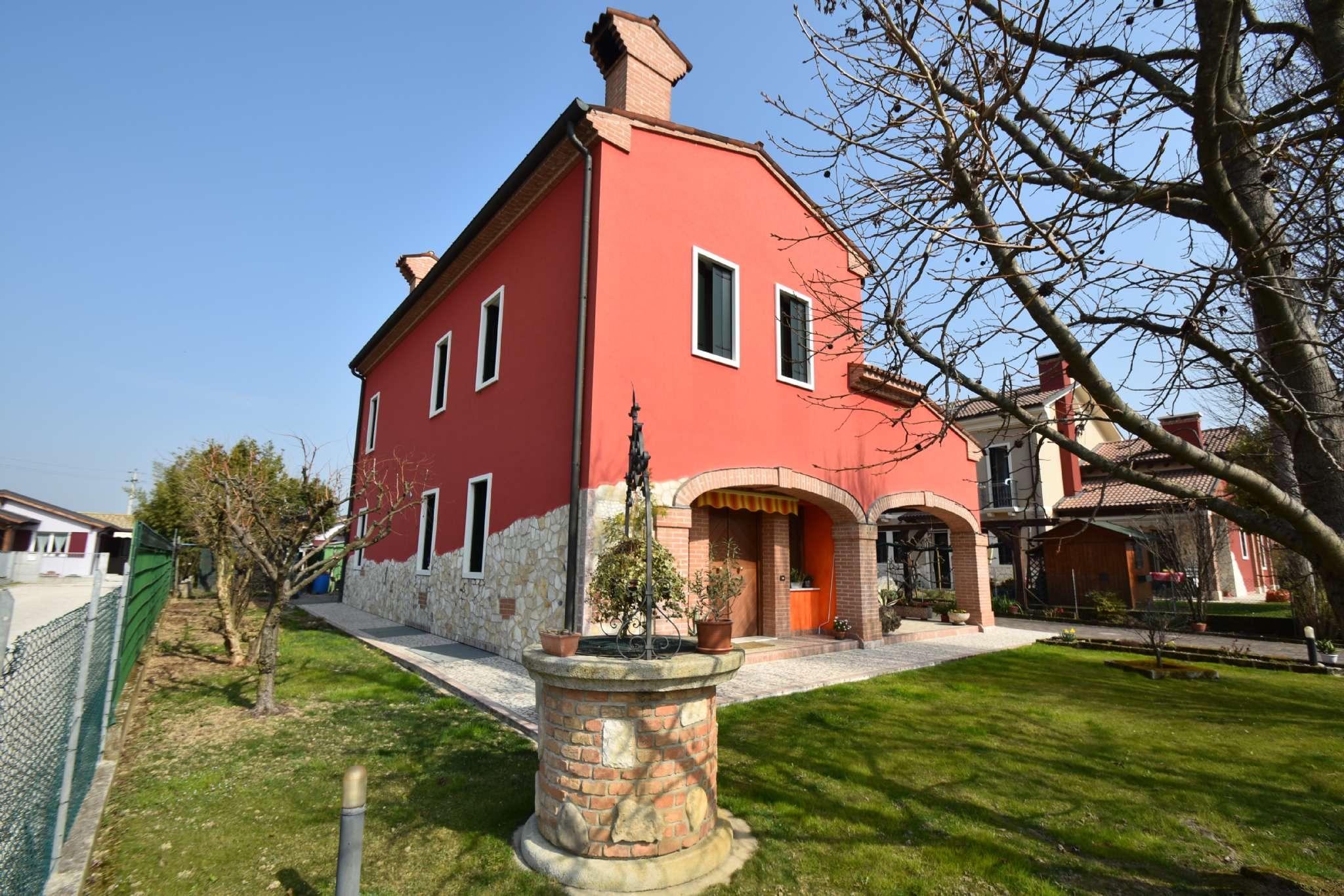 Villa in vendita a Quinto Vicentino, 6 locali, prezzo € 350.000 | CambioCasa.it