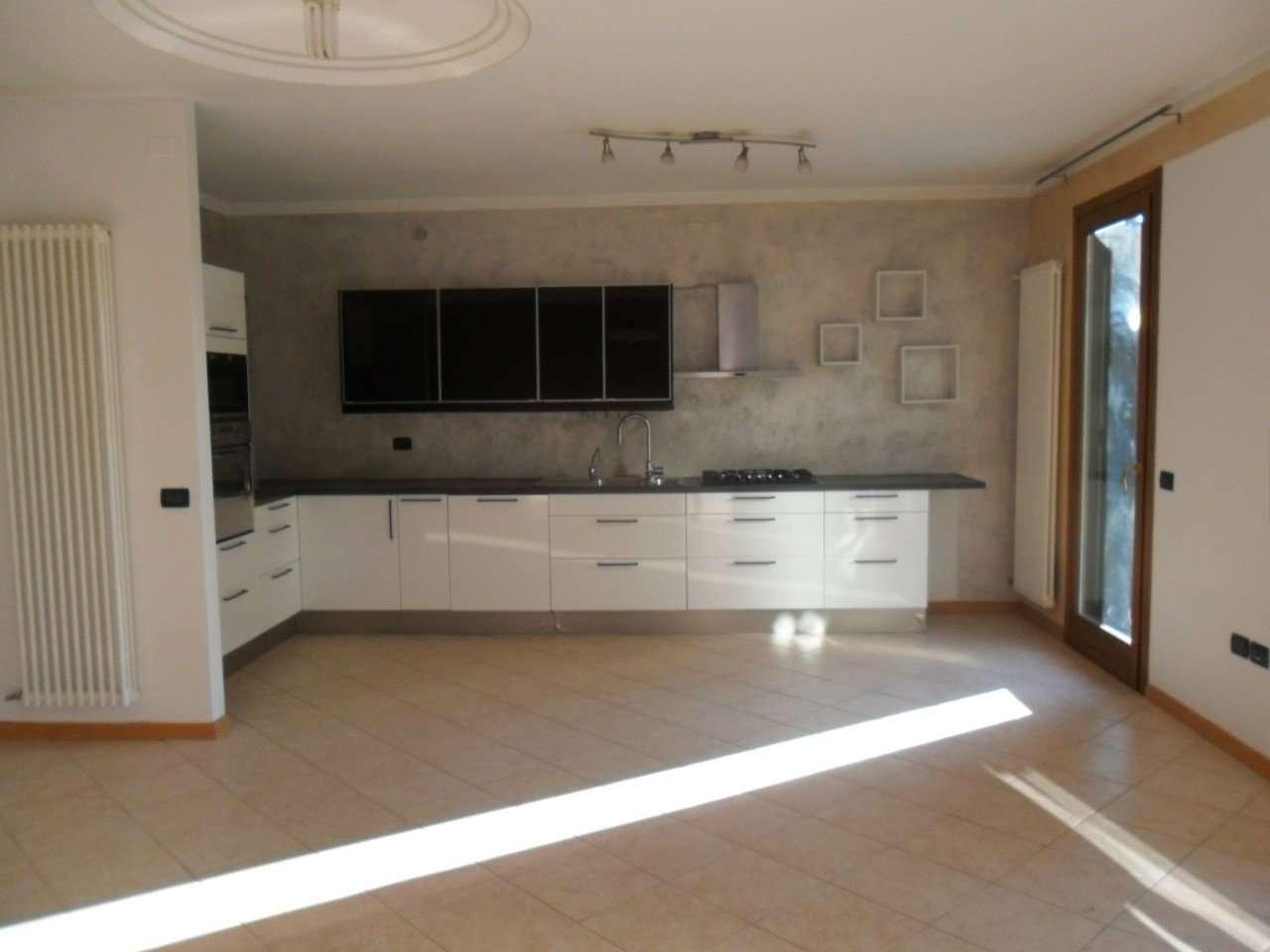 Villa a Schiera in vendita a Quinto Vicentino, 6 locali, prezzo € 350.000 | CambioCasa.it