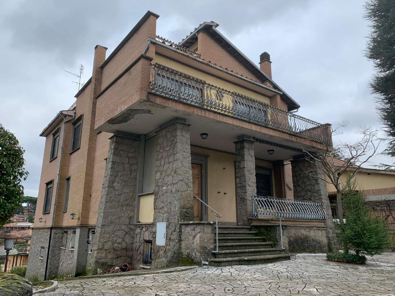 Villa in vendita a Rocca di Papa, 5 locali, prezzo € 495.000   CambioCasa.it