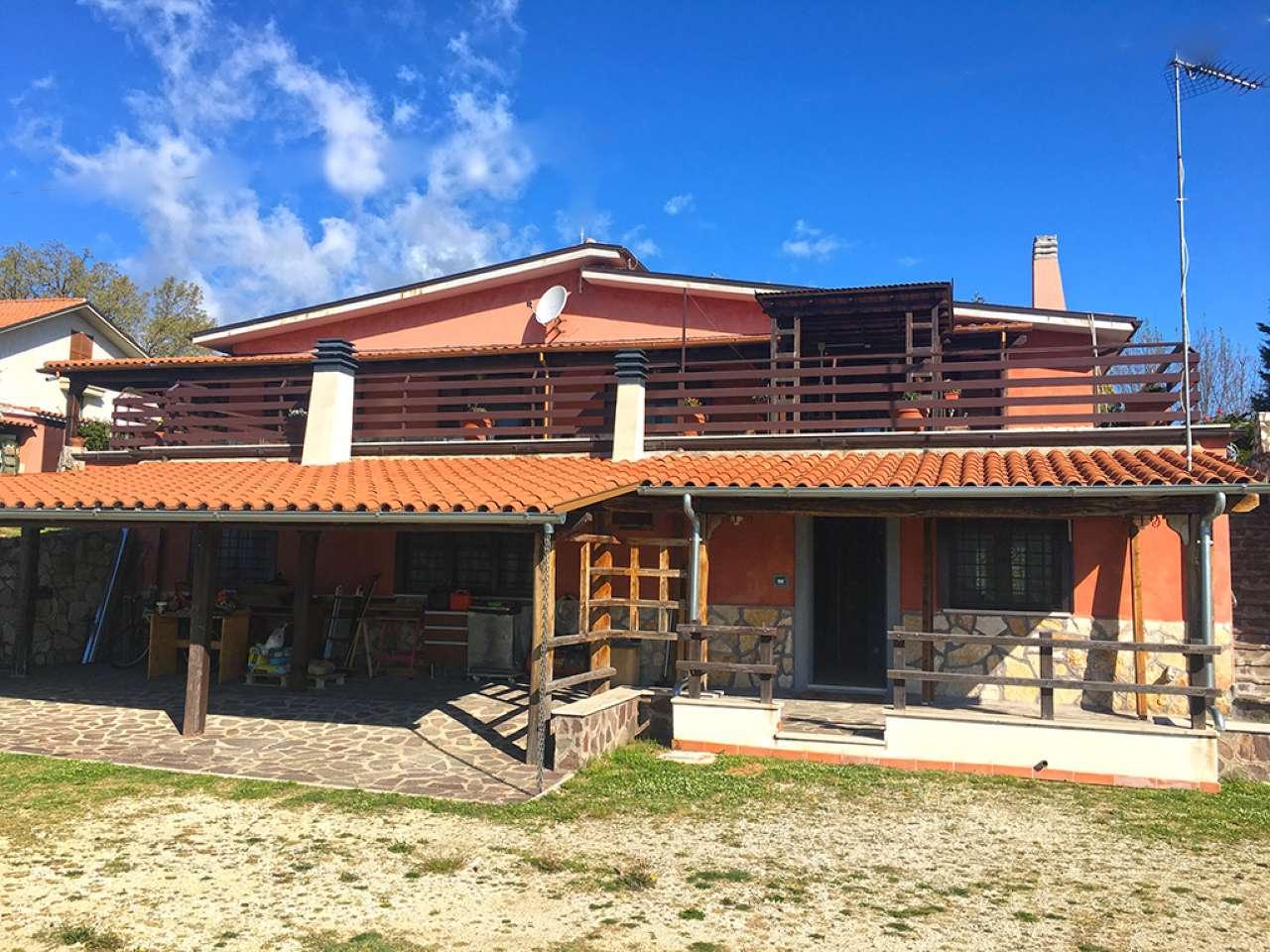Villa in vendita a Rocca Sinibalda, 7 locali, prezzo € 298.000   CambioCasa.it