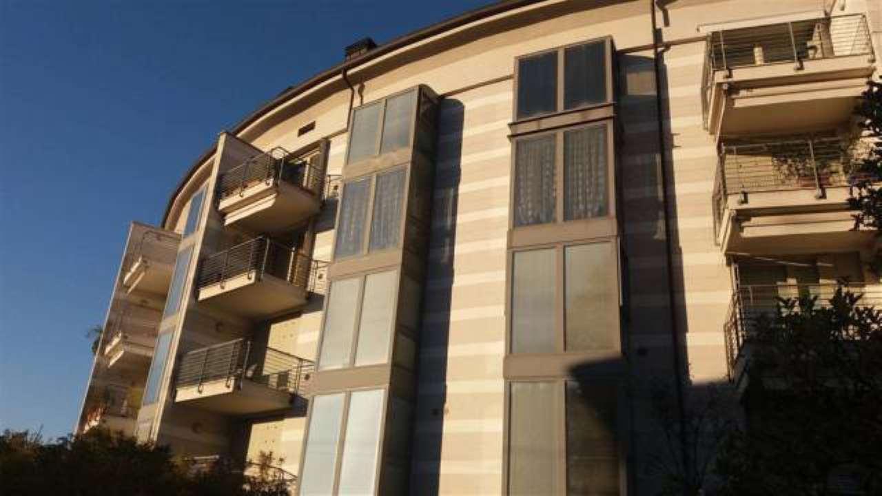 Appartamento in vendita a San Donato Milanese, 2 locali, prezzo € 140.000   CambioCasa.it
