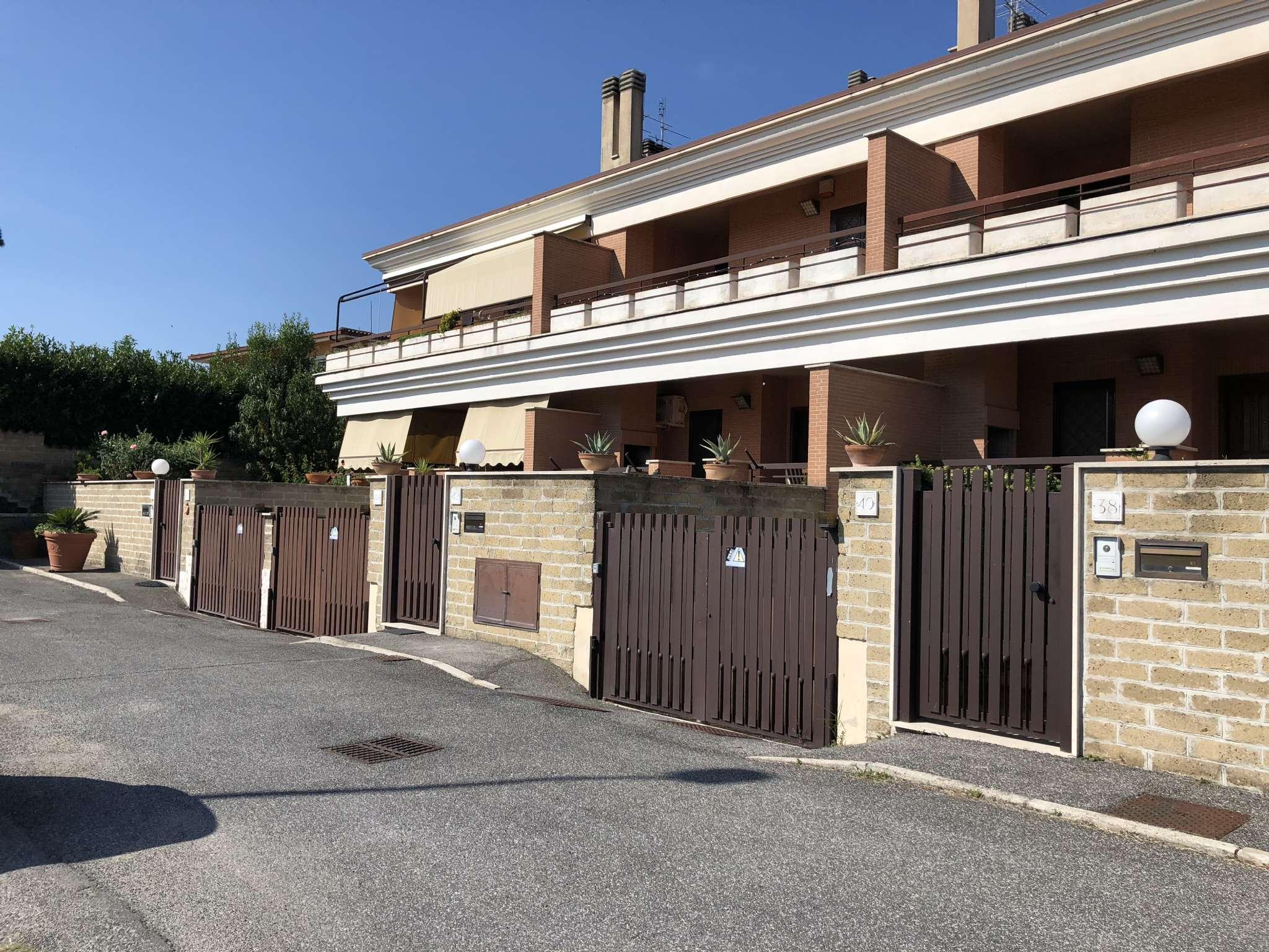 Villa Tri-Quadrifamiliare in vendita a Roma, 6 locali, zona Zona: 37 . Morena - Ciampino - Trigoria - Falcognana, prezzo € 429.000 | CambioCasa.it