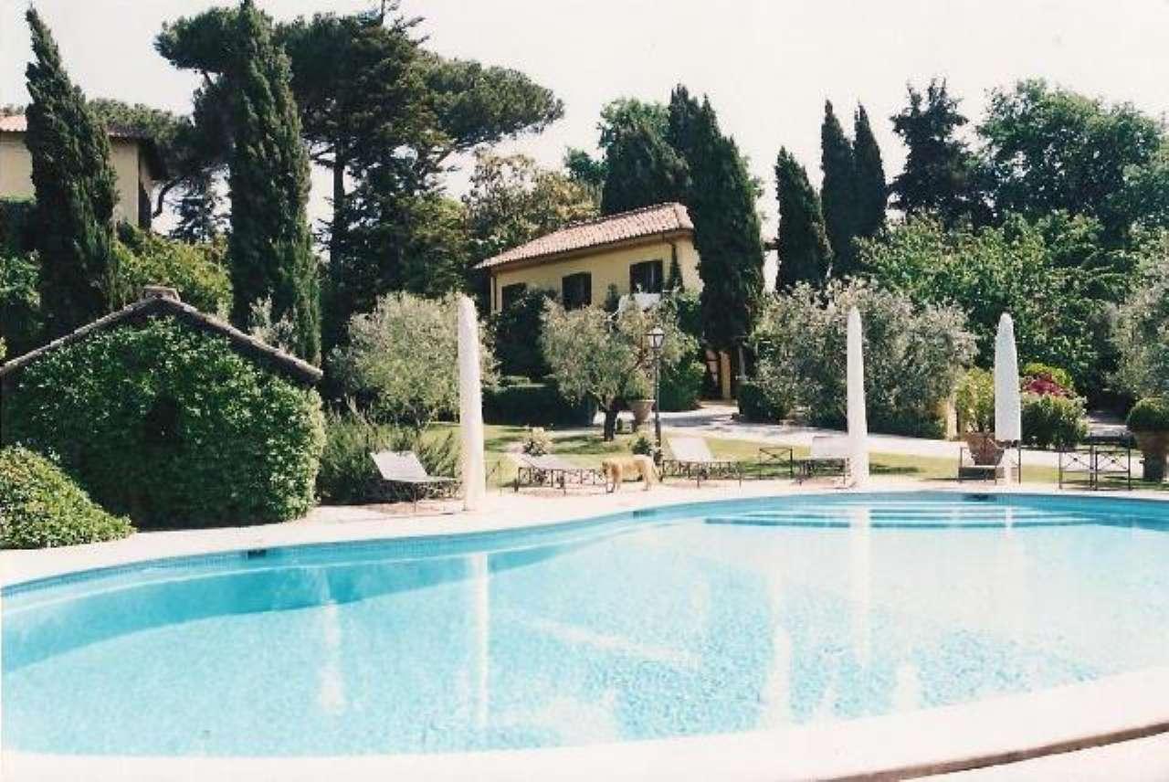 Villa in vendita a Grottaferrata, 10 locali, prezzo € 1.650.000   CambioCasa.it