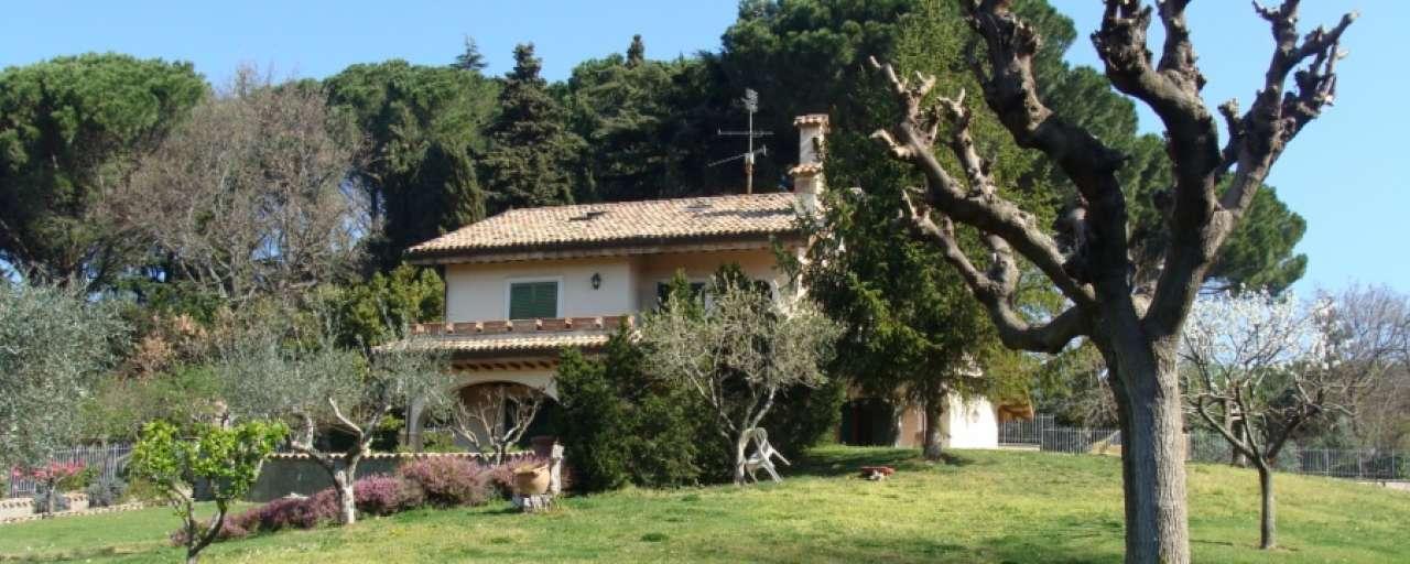Villa in vendita a Grottaferrata, 12 locali, prezzo € 1.100.000 | CambioCasa.it