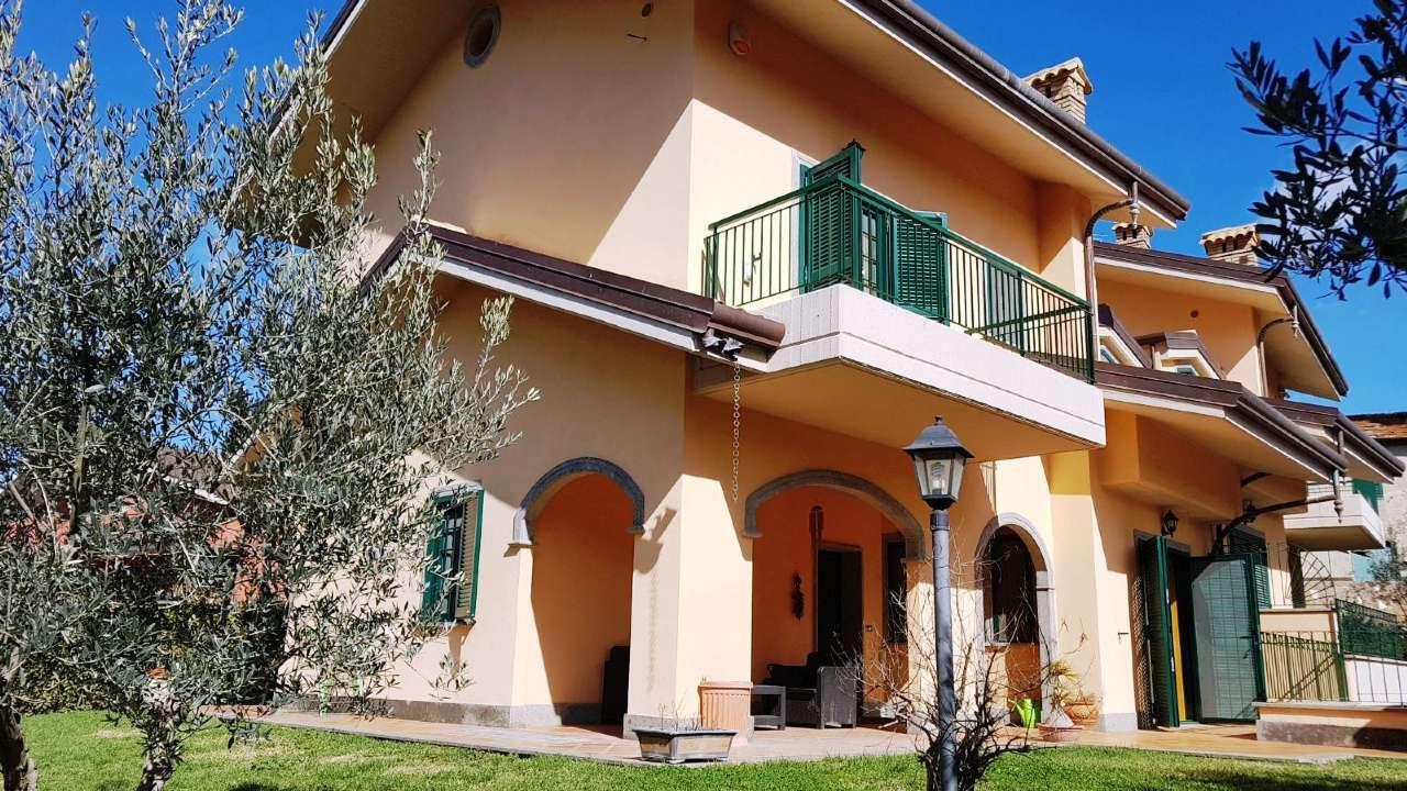 Villa Bifamiliare in vendita a Grottaferrata, 6 locali, prezzo € 630.000   CambioCasa.it