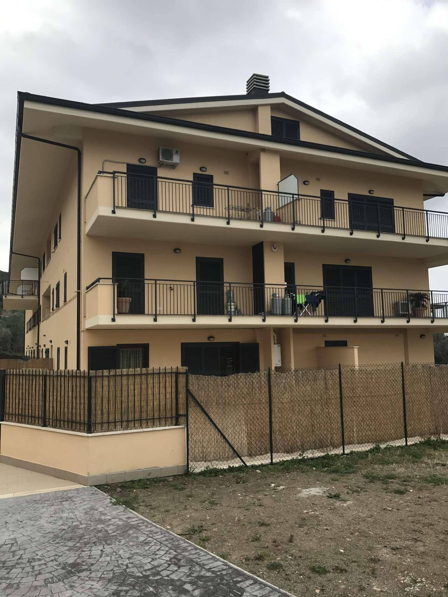 Appartamento in vendita a Grottaferrata, 3 locali, prezzo € 220.000 | CambioCasa.it