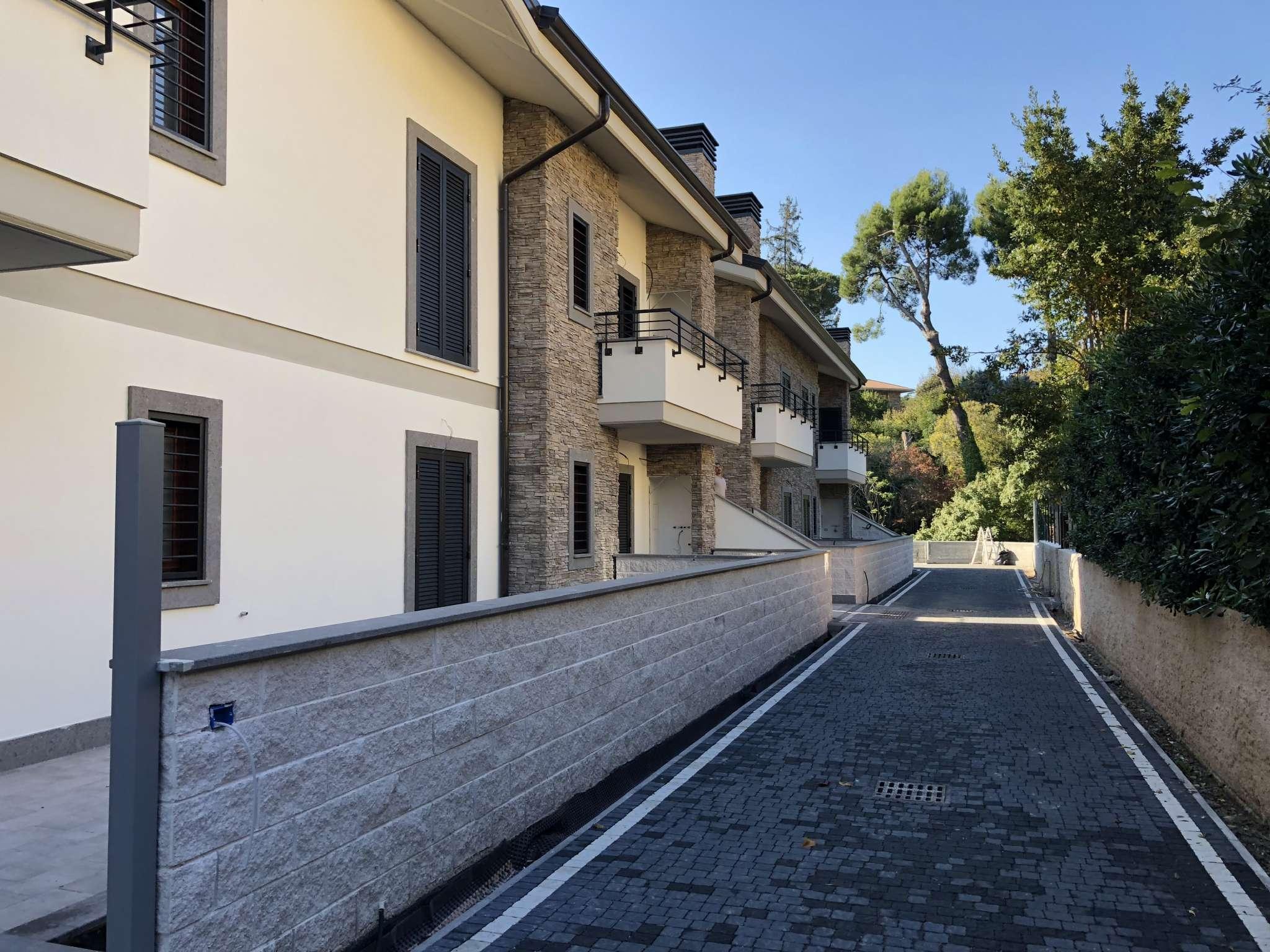 Appartamento in vendita a Grottaferrata, 4 locali, prezzo € 359.000 | CambioCasa.it