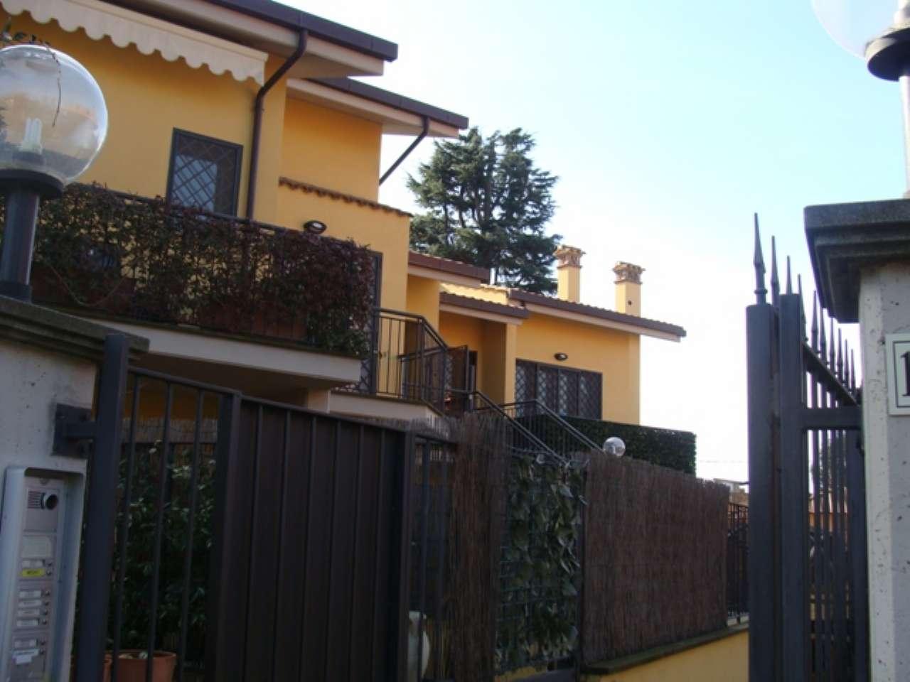 Appartamento in buone condizioni arredato in affitto Rif. 9026576
