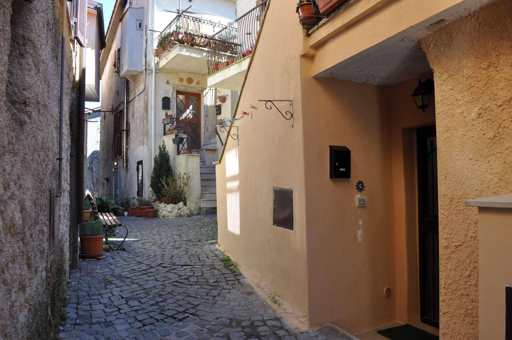 Appartamento in vendita a Rocca Priora, 2 locali, prezzo € 55.000   CambioCasa.it